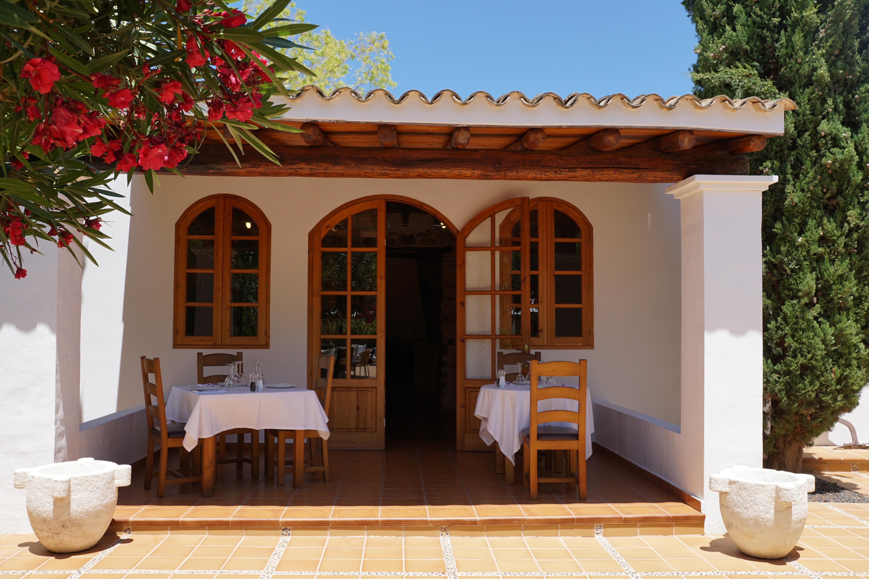 Fotos gratis villa restaurante porche arco caba a patio interior fachada propiedad - Ley propiedad horizontal patio interior ...