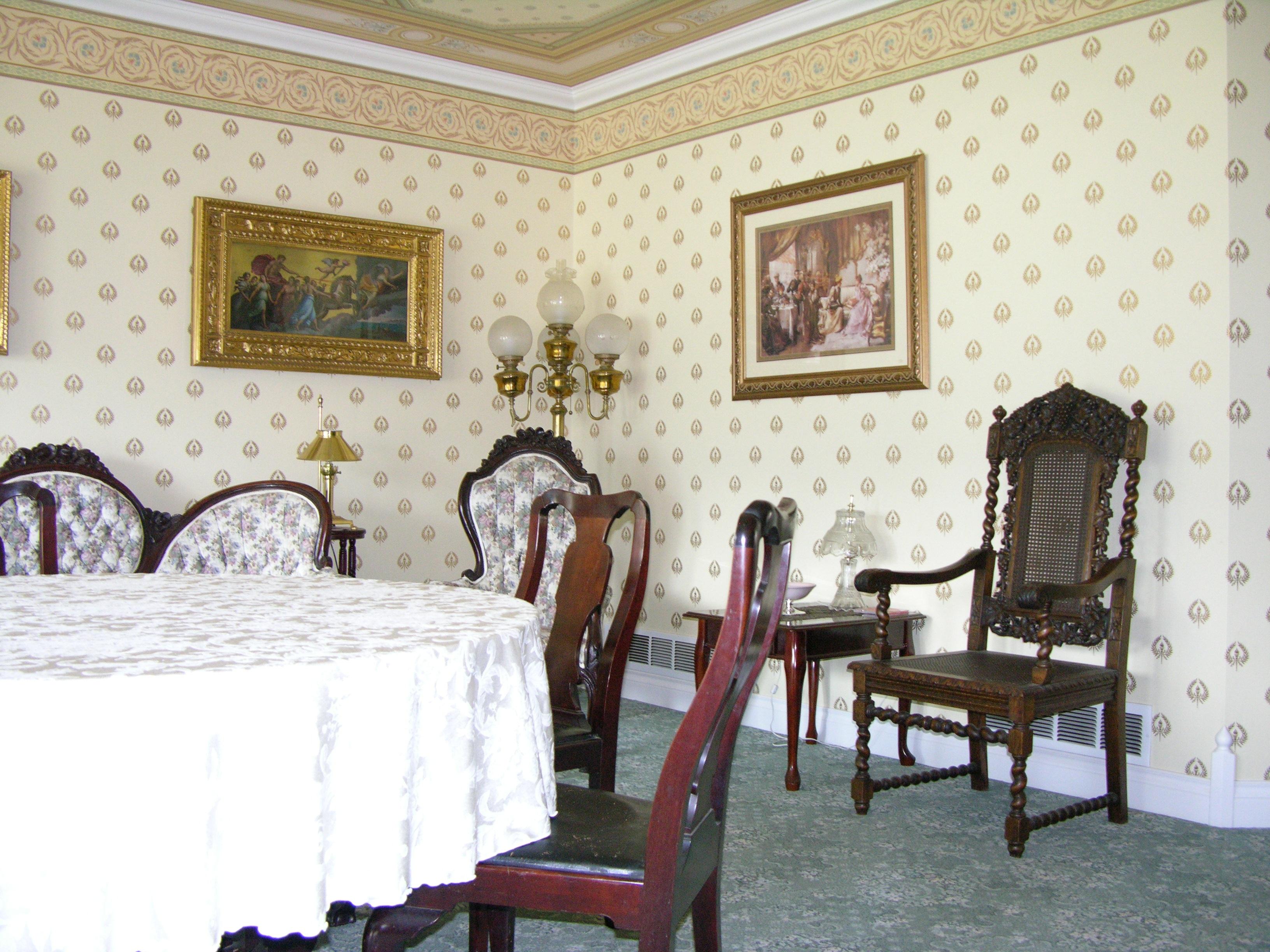 Free Images : villa, mansion, home, cottage, property, living room ...