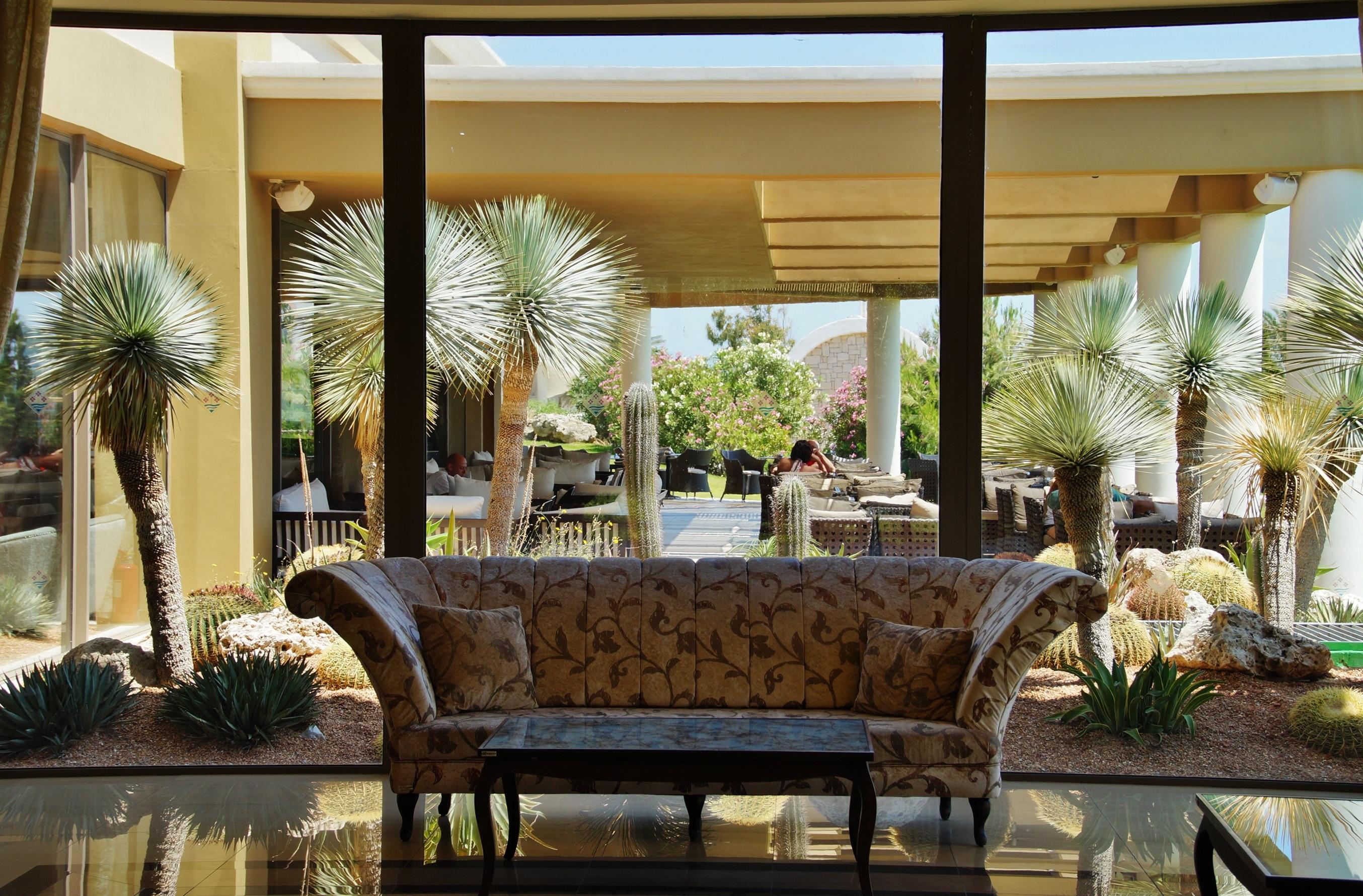 Fotos gratis villa palacio restaurante casa porche for Restaurante casa jardin