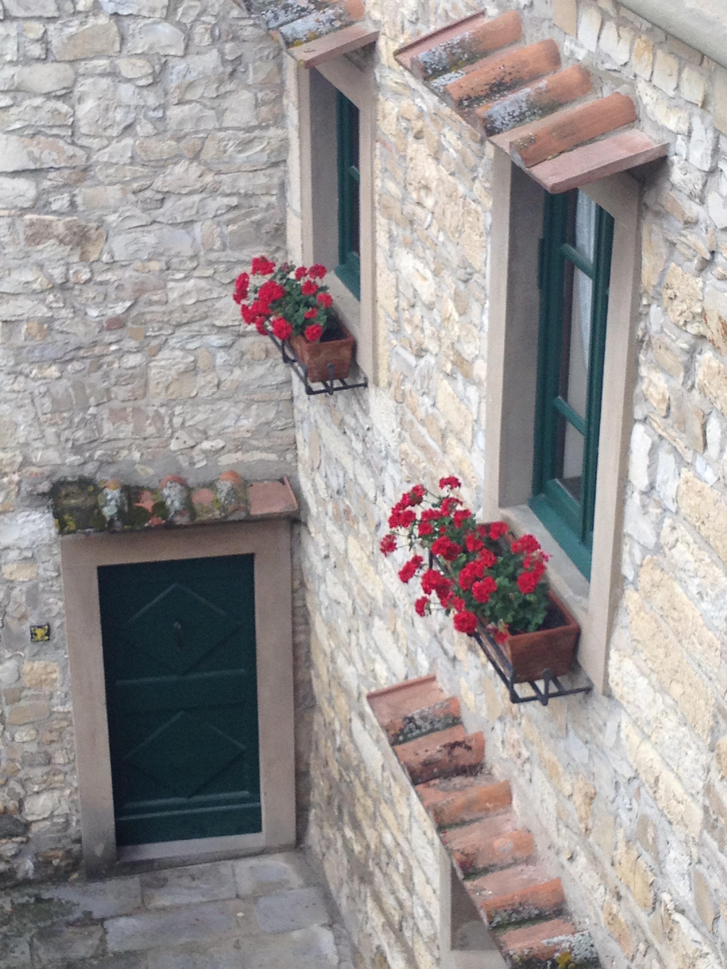 Gratis billeder : villa, vindue, hjem, væg, veranda, altan ...