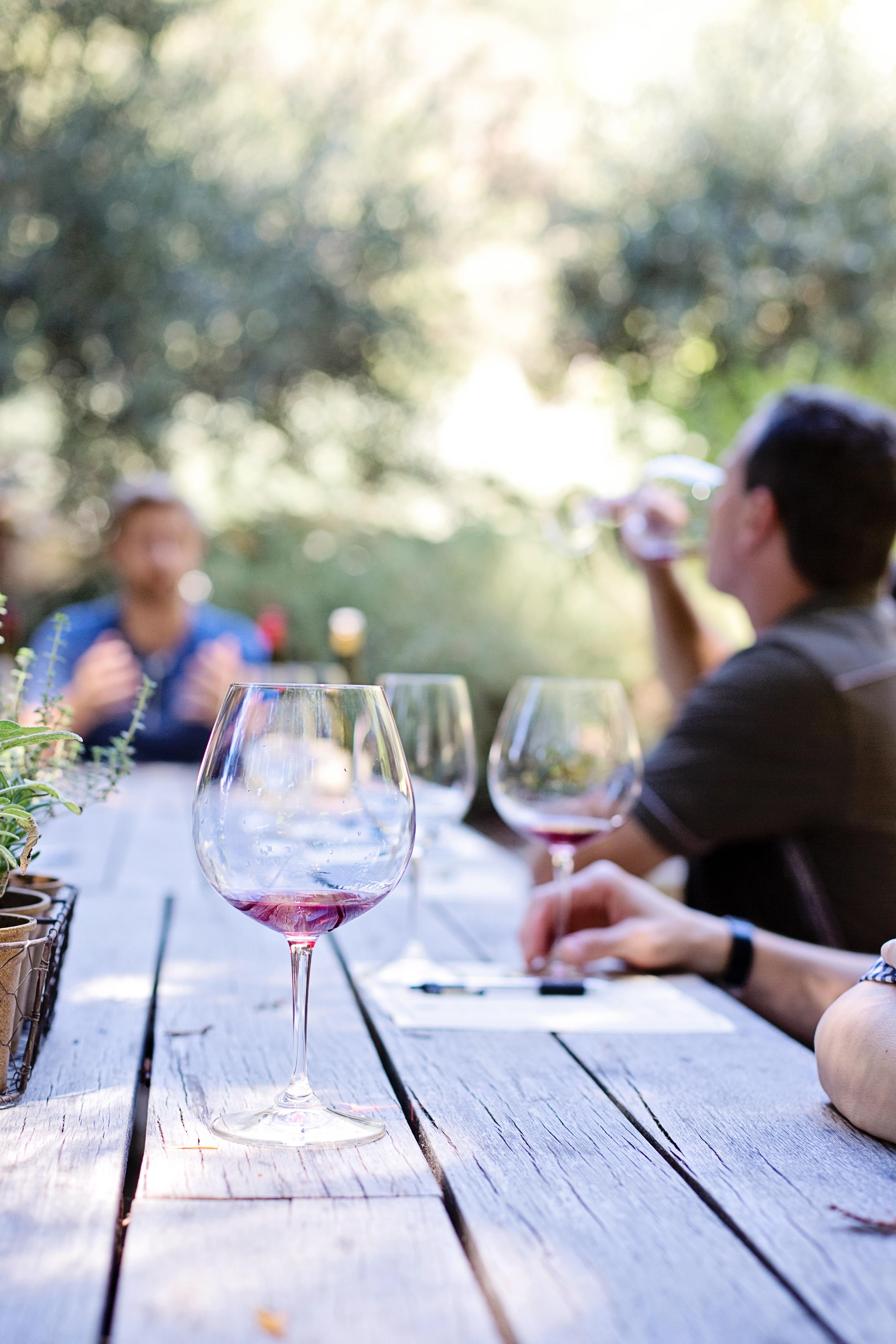 Dejting vinprovning