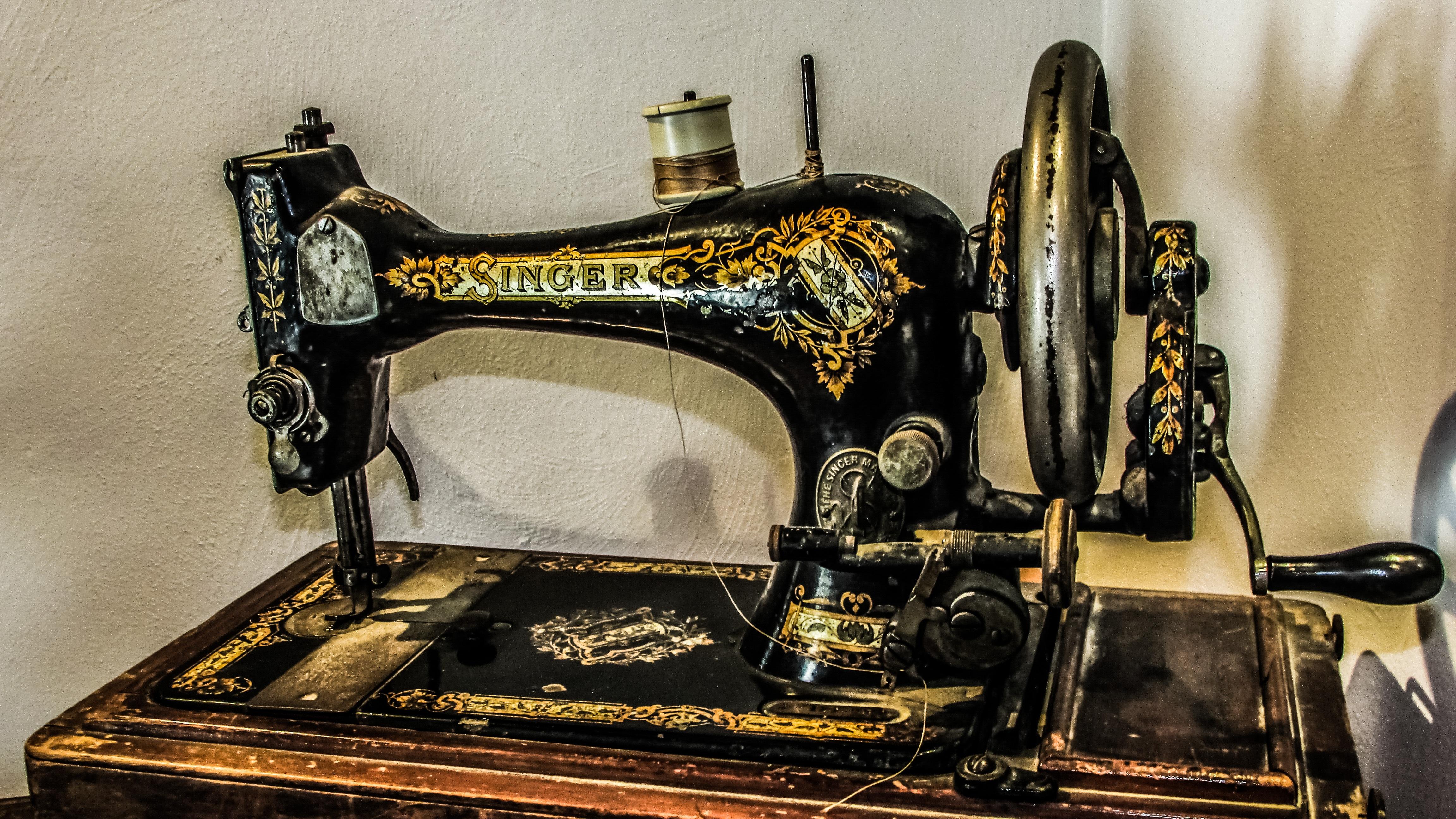 Старинные швейные машинки фото и название