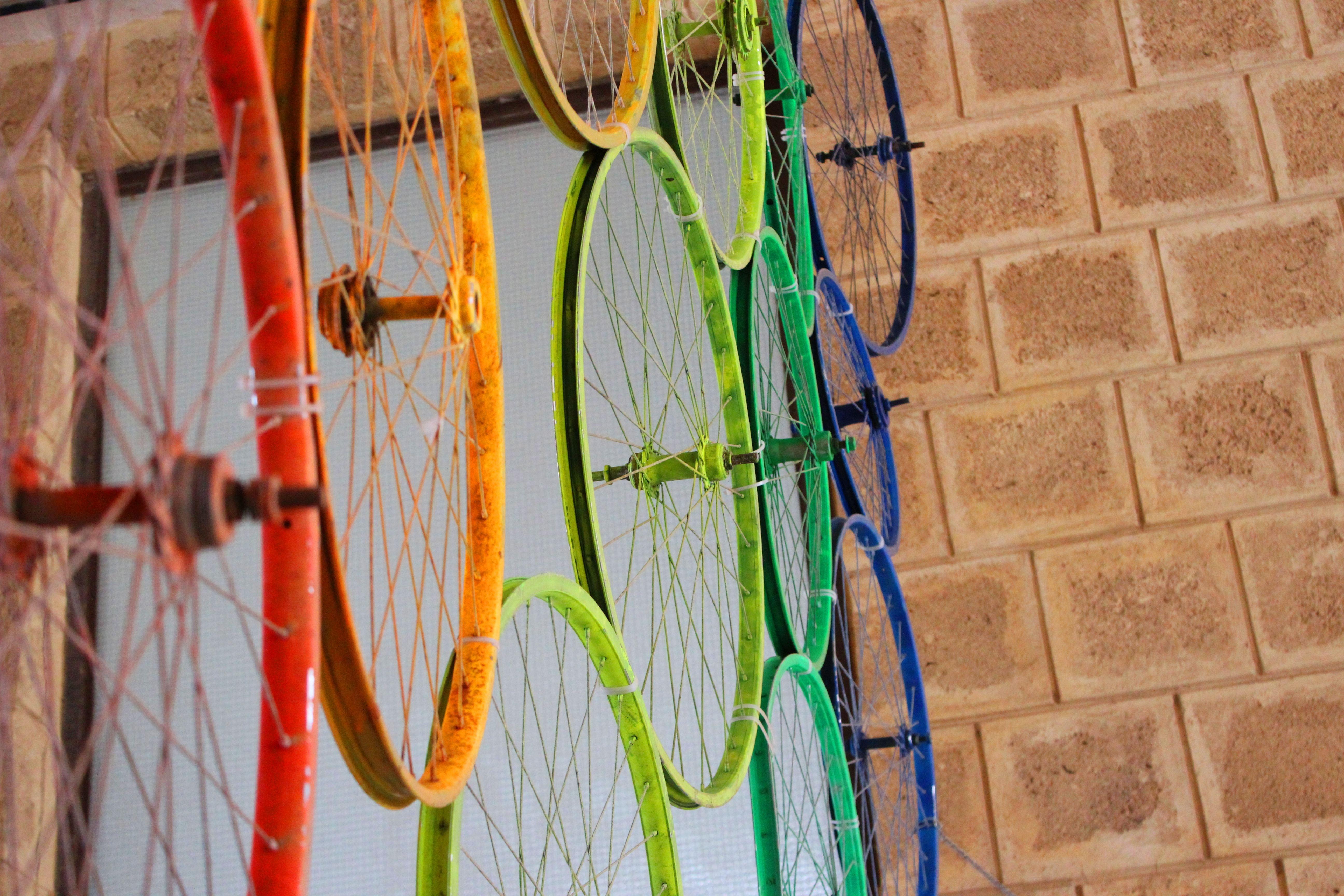 Kostenlose foto : Jahrgang, Fahrrad, Mauer, Grün, rot, Farbe ...