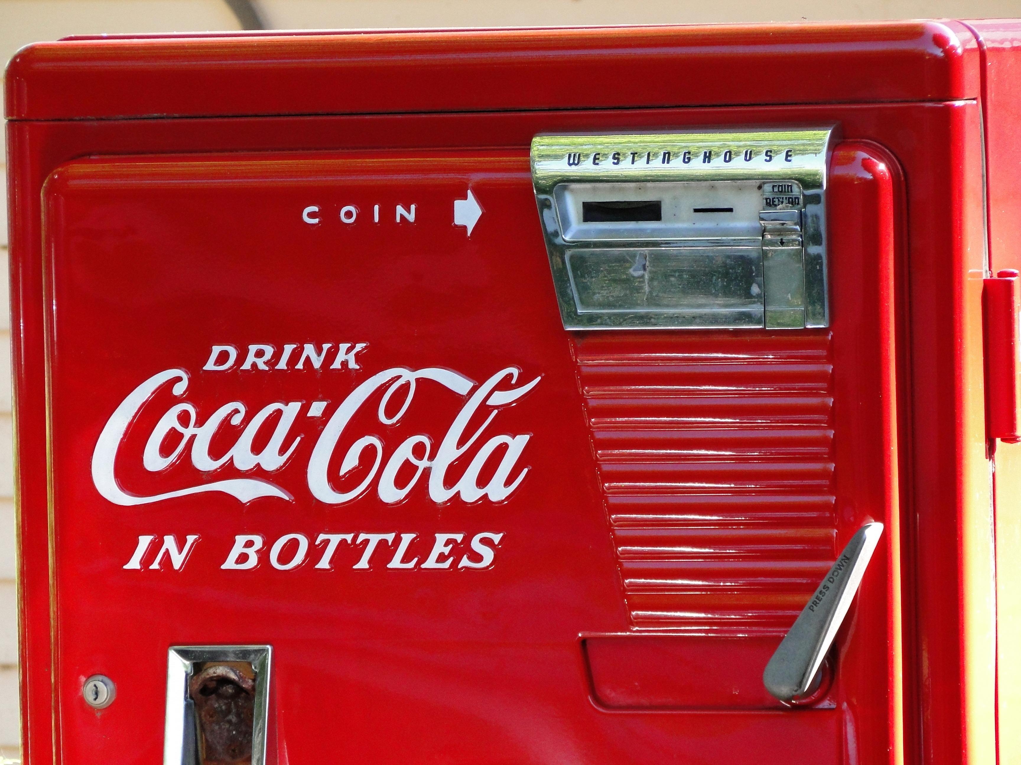 free images vintage retro old red coke machine coca cola classic company soft drink. Black Bedroom Furniture Sets. Home Design Ideas