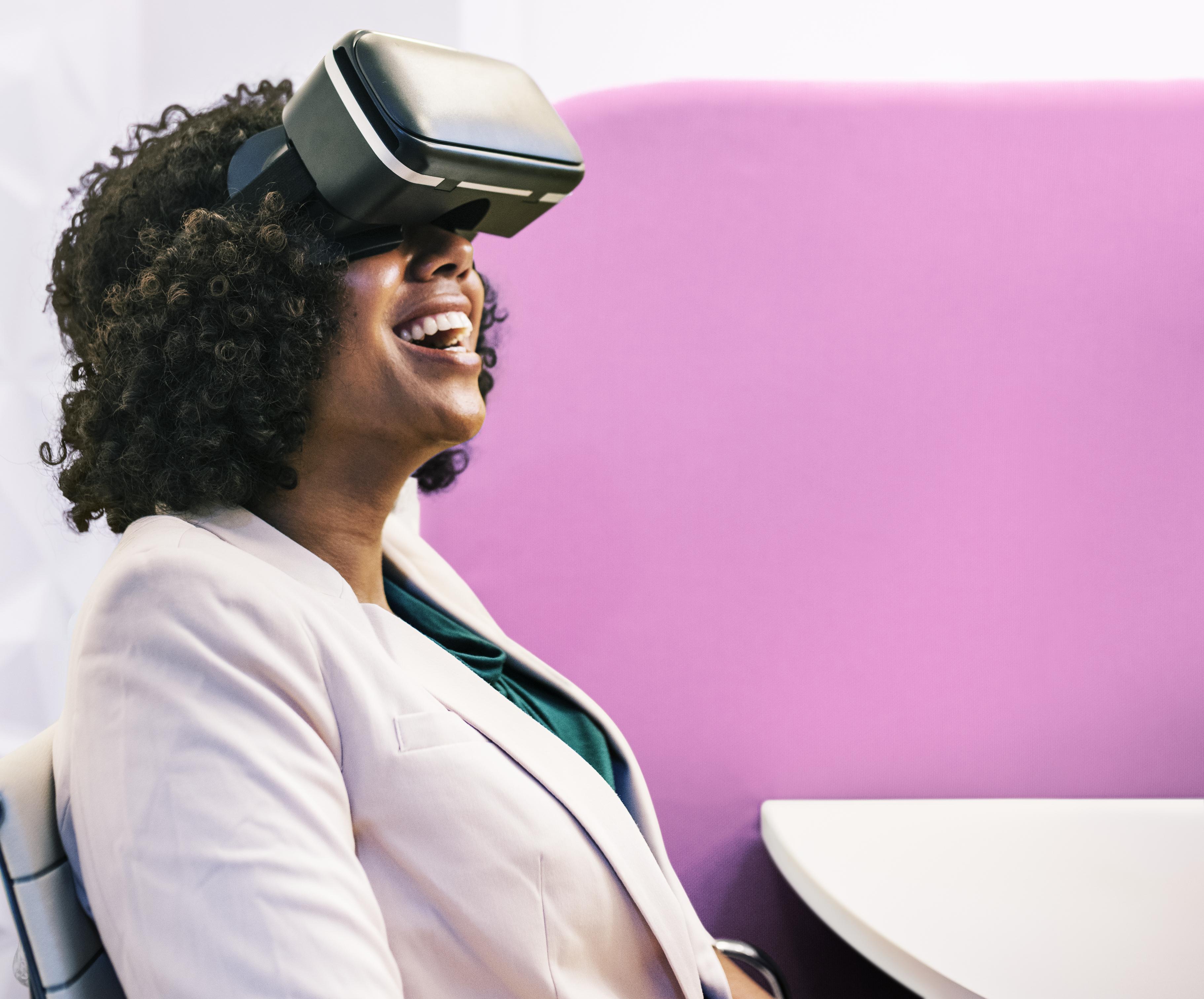 Ιαπωνικό VR κοστούμι σεξ
