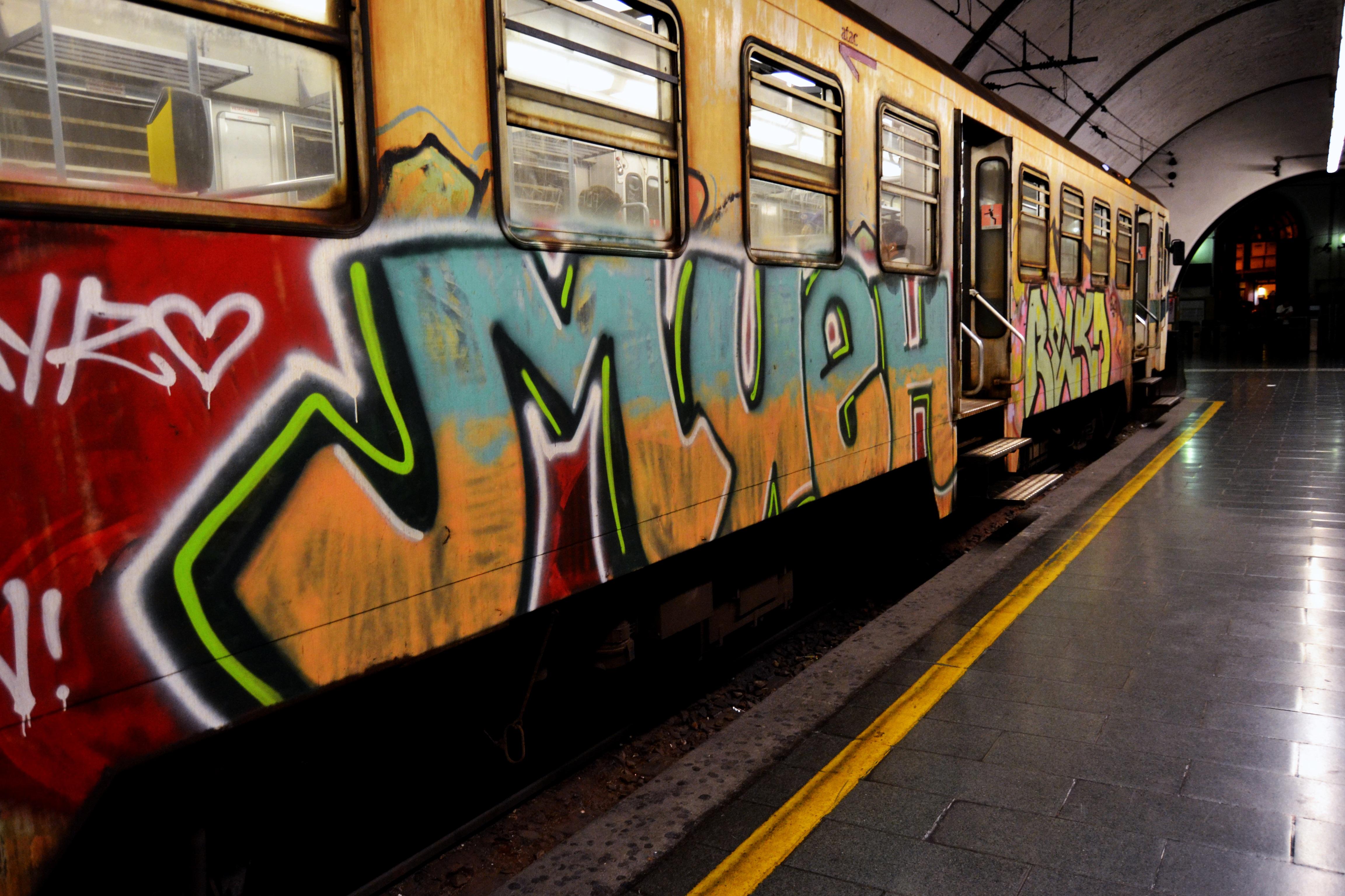 Fotoğraf Yük Vagonu Tren Nakliye Araç Italya Duvar Yazısı