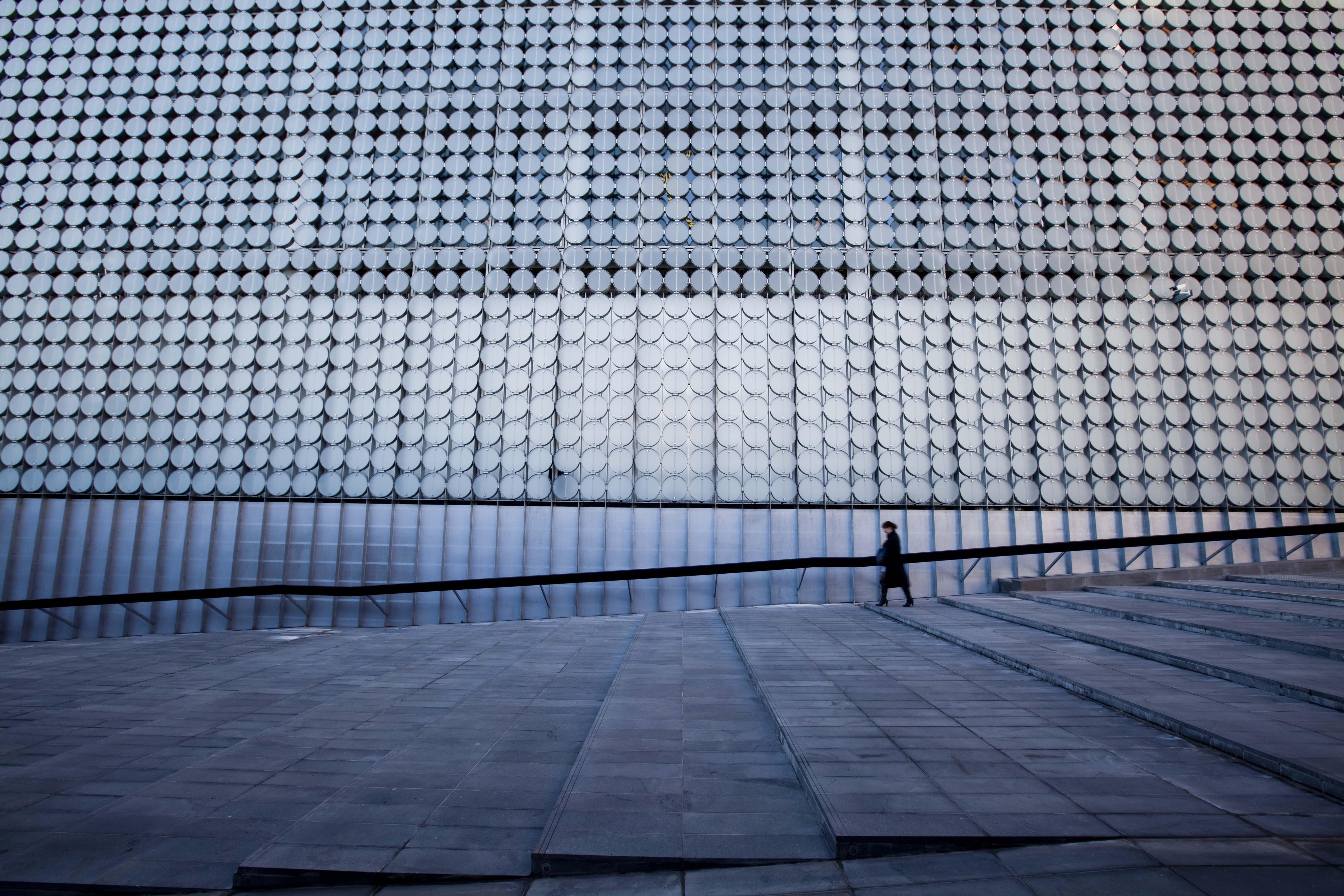Immagini belle : a passeggio leggero architettura luce del sole