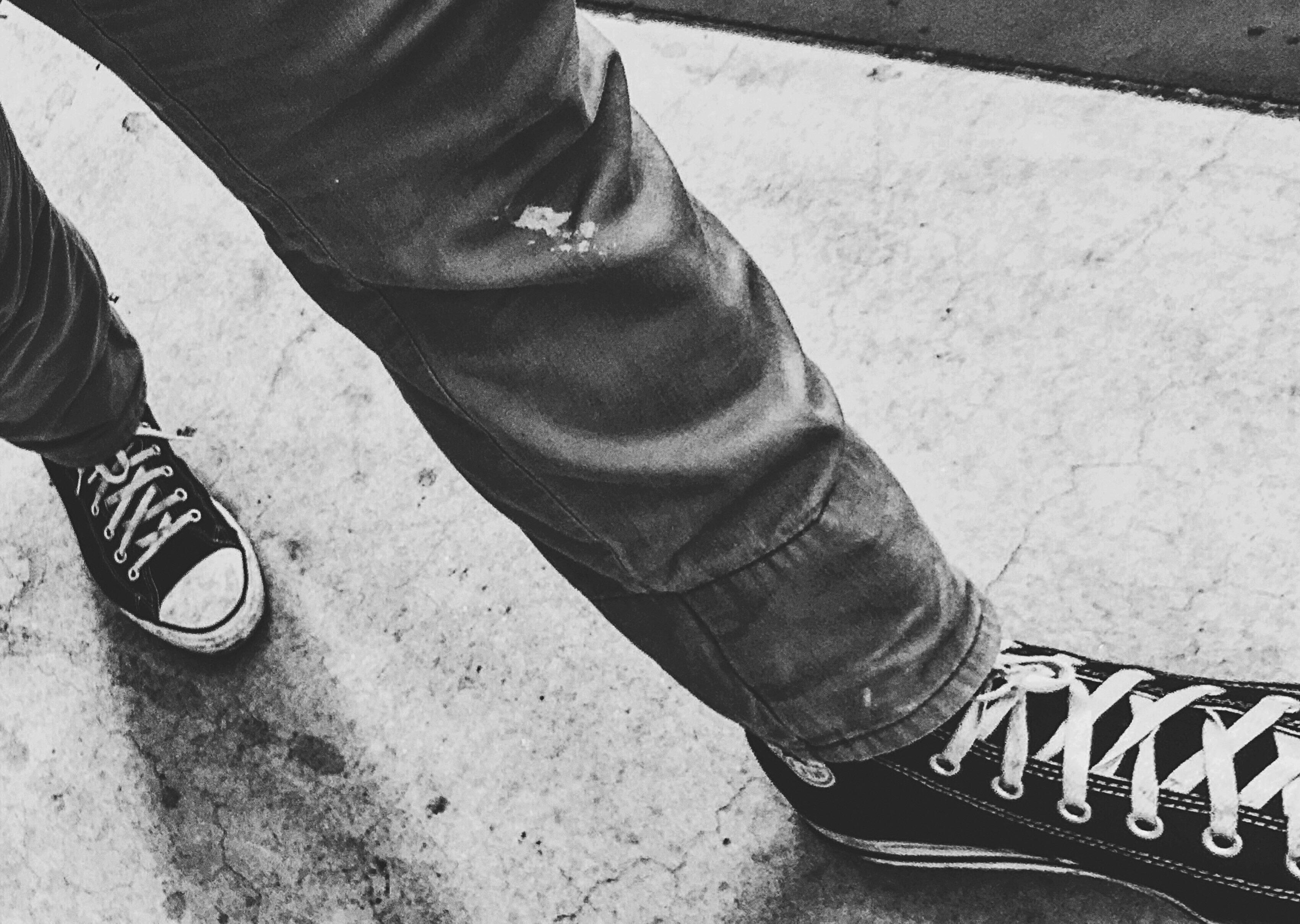 black short converse