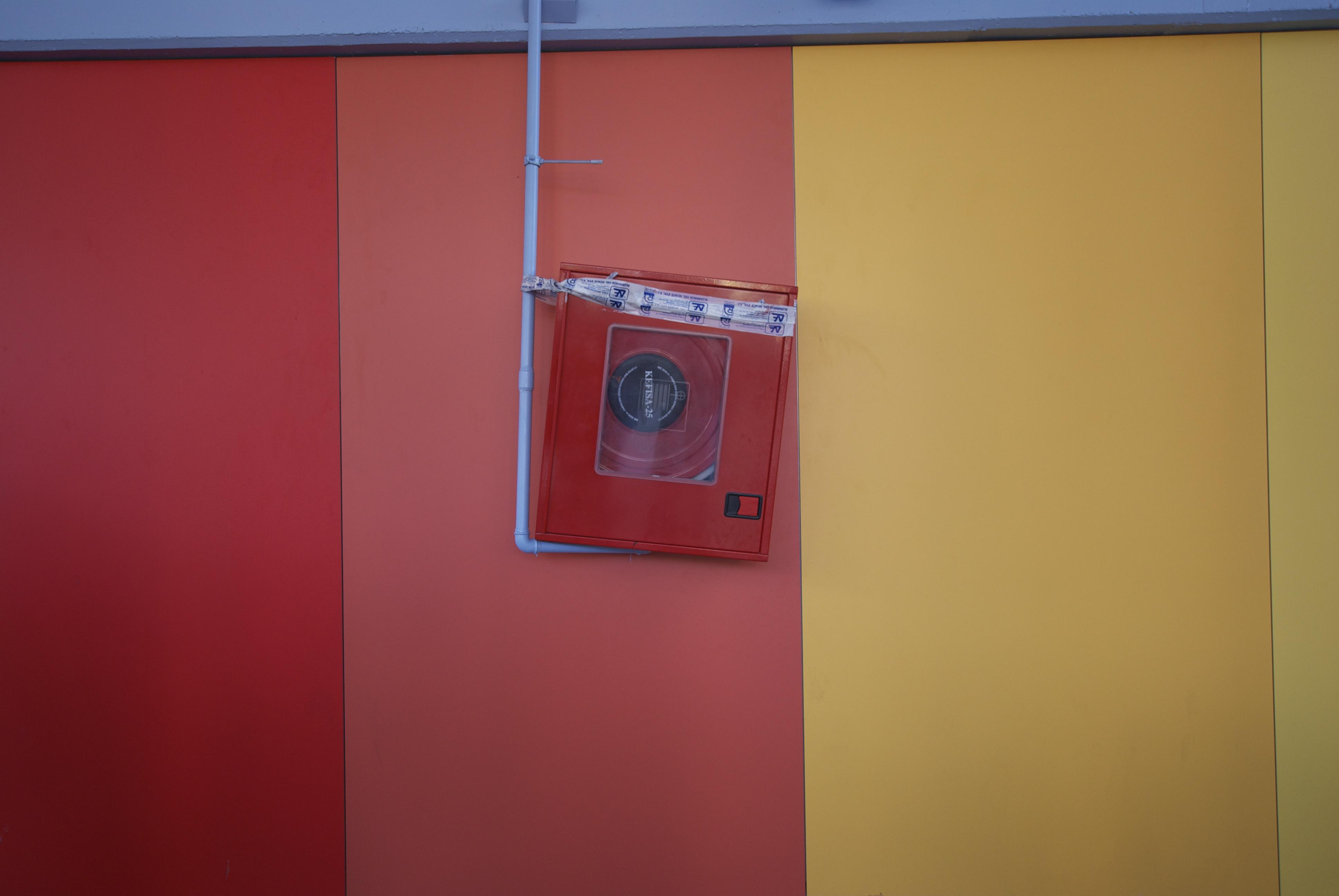 Images Gratuites : mur, rouge, Couleur, bleu, meubles ...