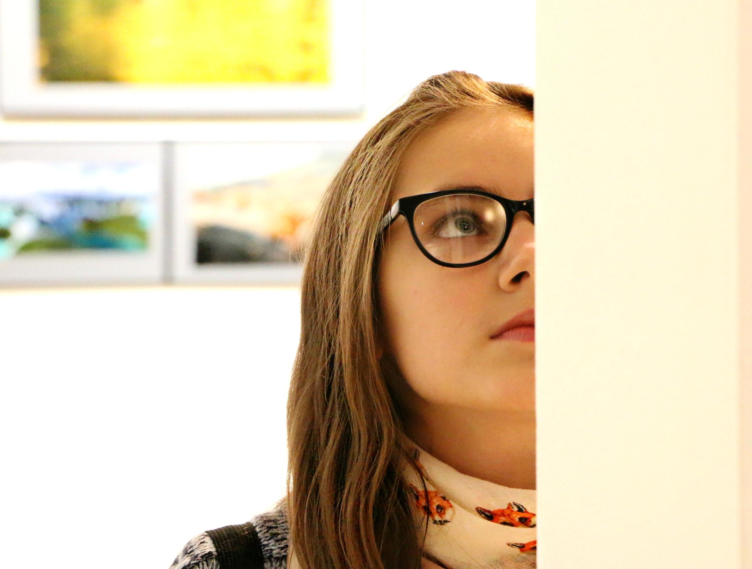 выставка девушек в картинках