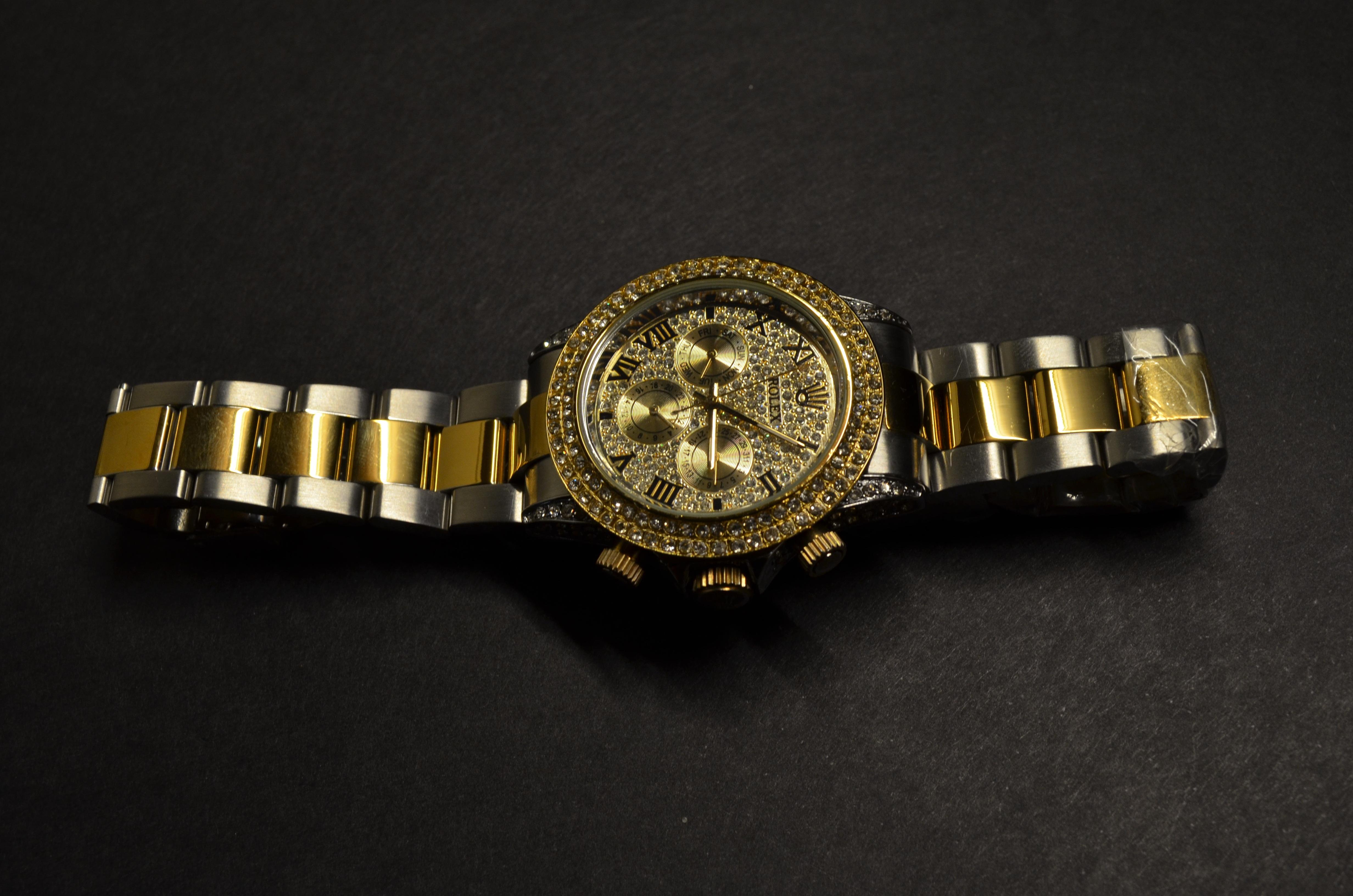 style distinctif assez bon marché obtenir de nouveaux Free Images : watch, hand, jewelry, bracelet, jewellery ...
