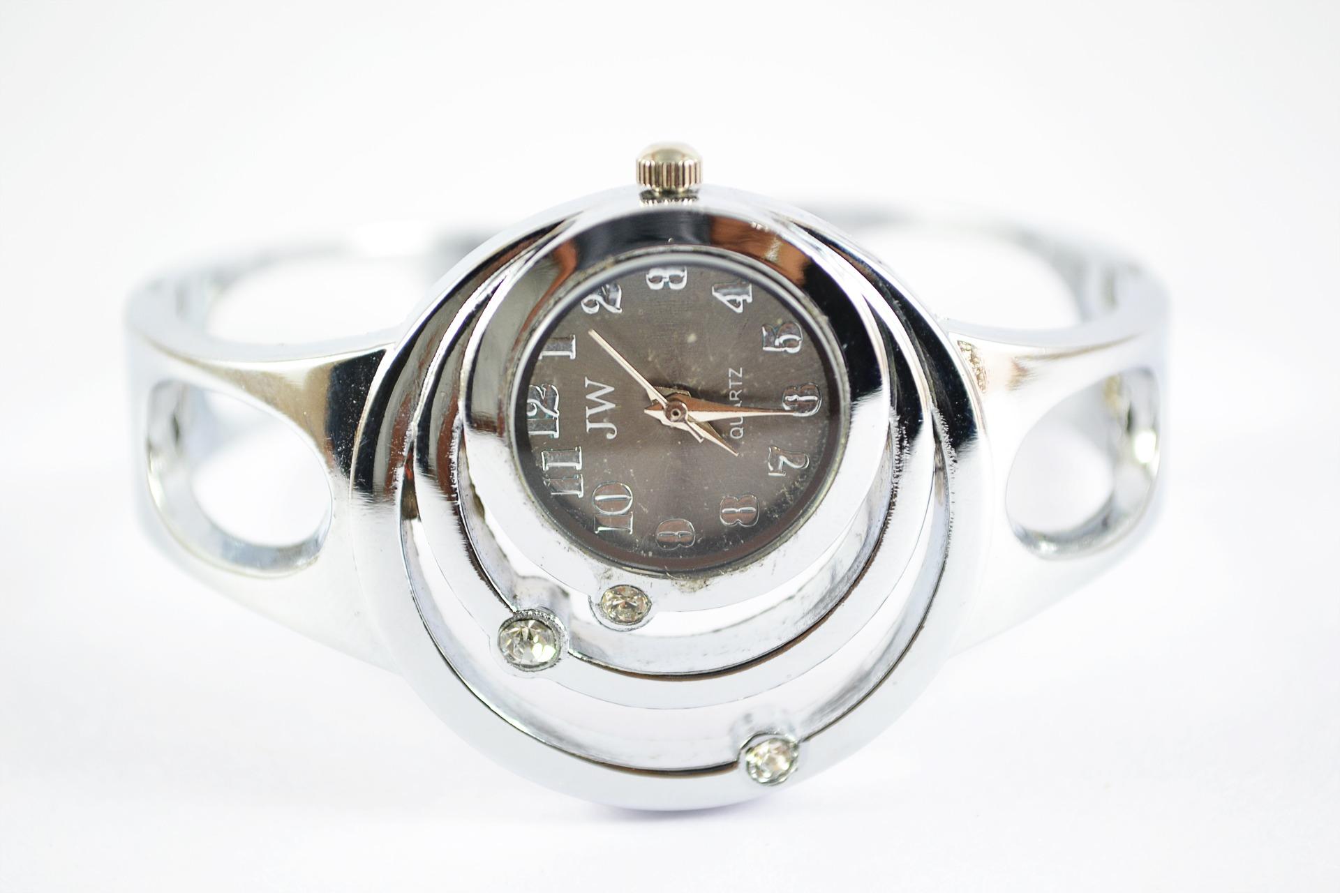 0245d1a7705 regarder main femme cadeau métal mode Matériel présent bijoux Montre- bracelet argent beauté brillant Sri