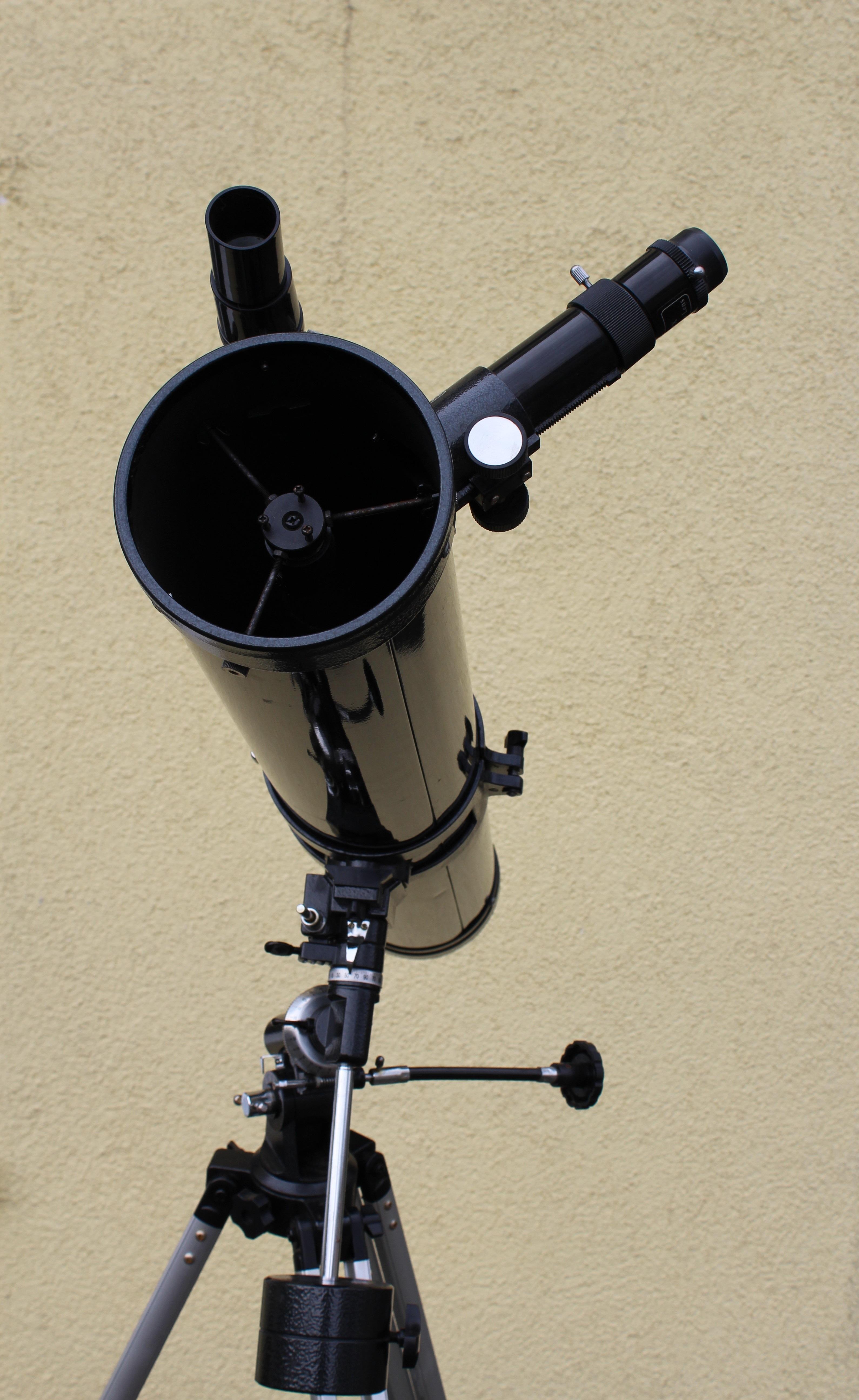 instrument pour regarder les etoiles