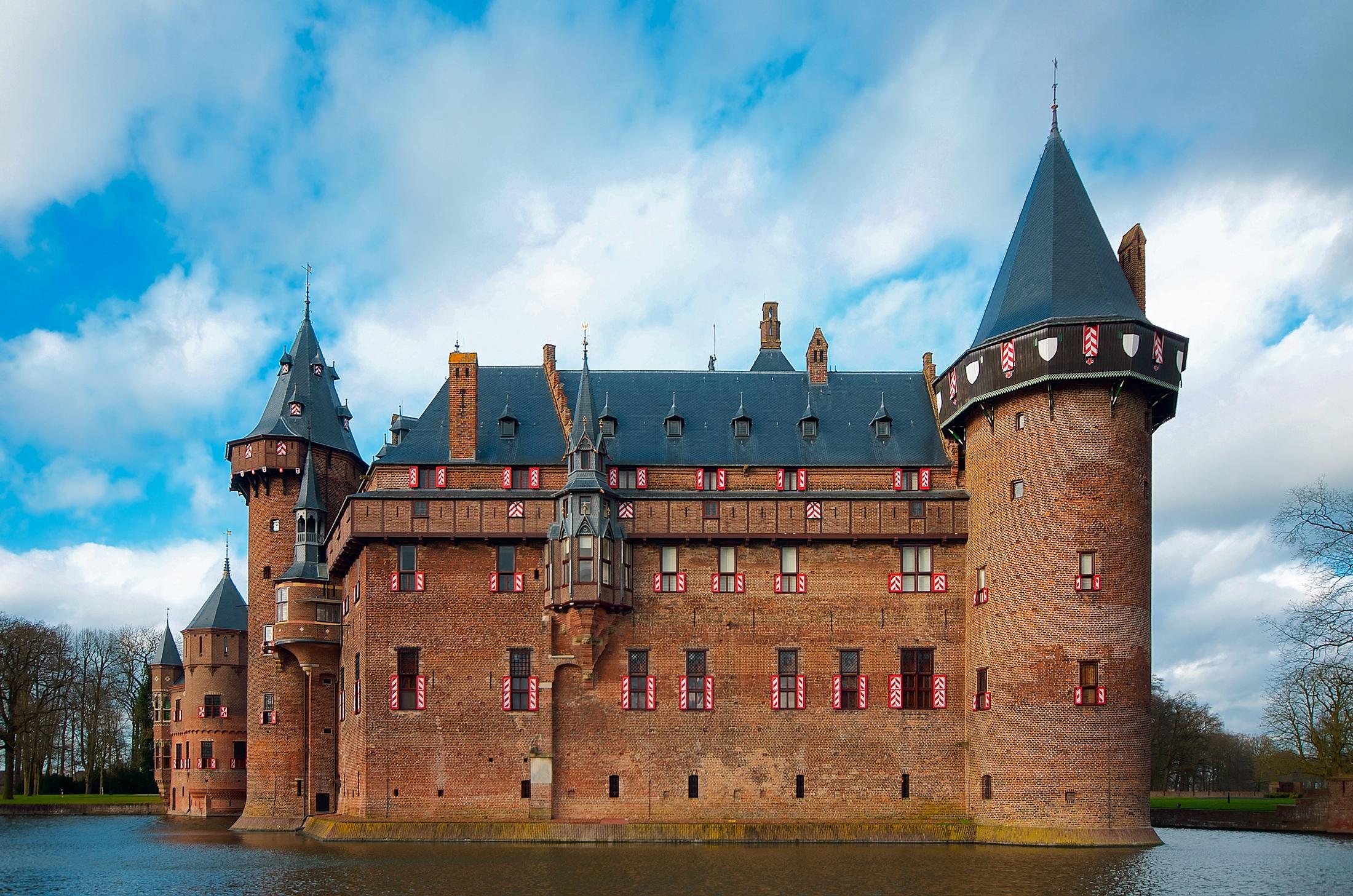 всех фотографии старых замков и башен это медикаментозное средство