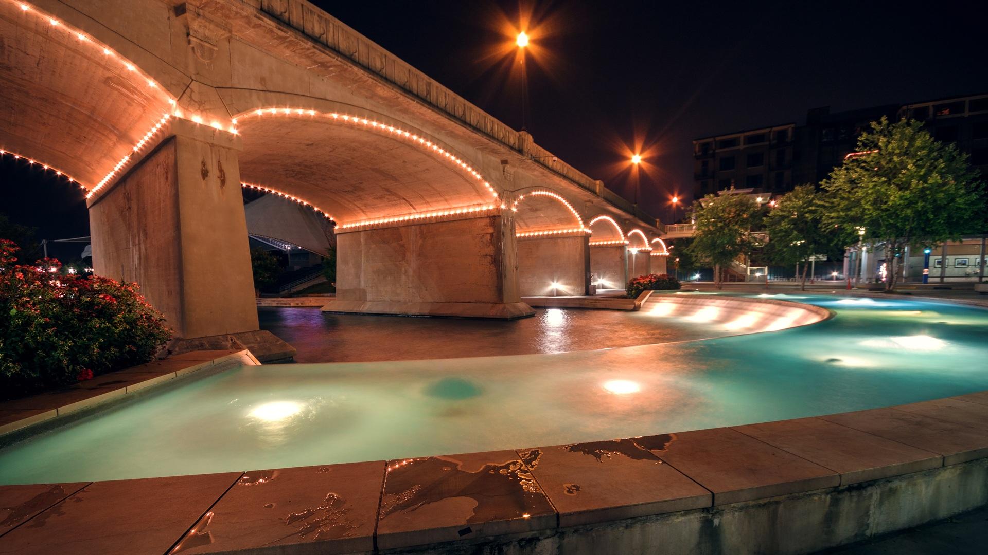 AuBergewohnlich Wasser Brücke Nacht  Innenstadt Betrachtung Pool Park Landschaft Hinterhof  Beleuchtung Erholungsort Immobilien Tennessee Knoxville Weltpark