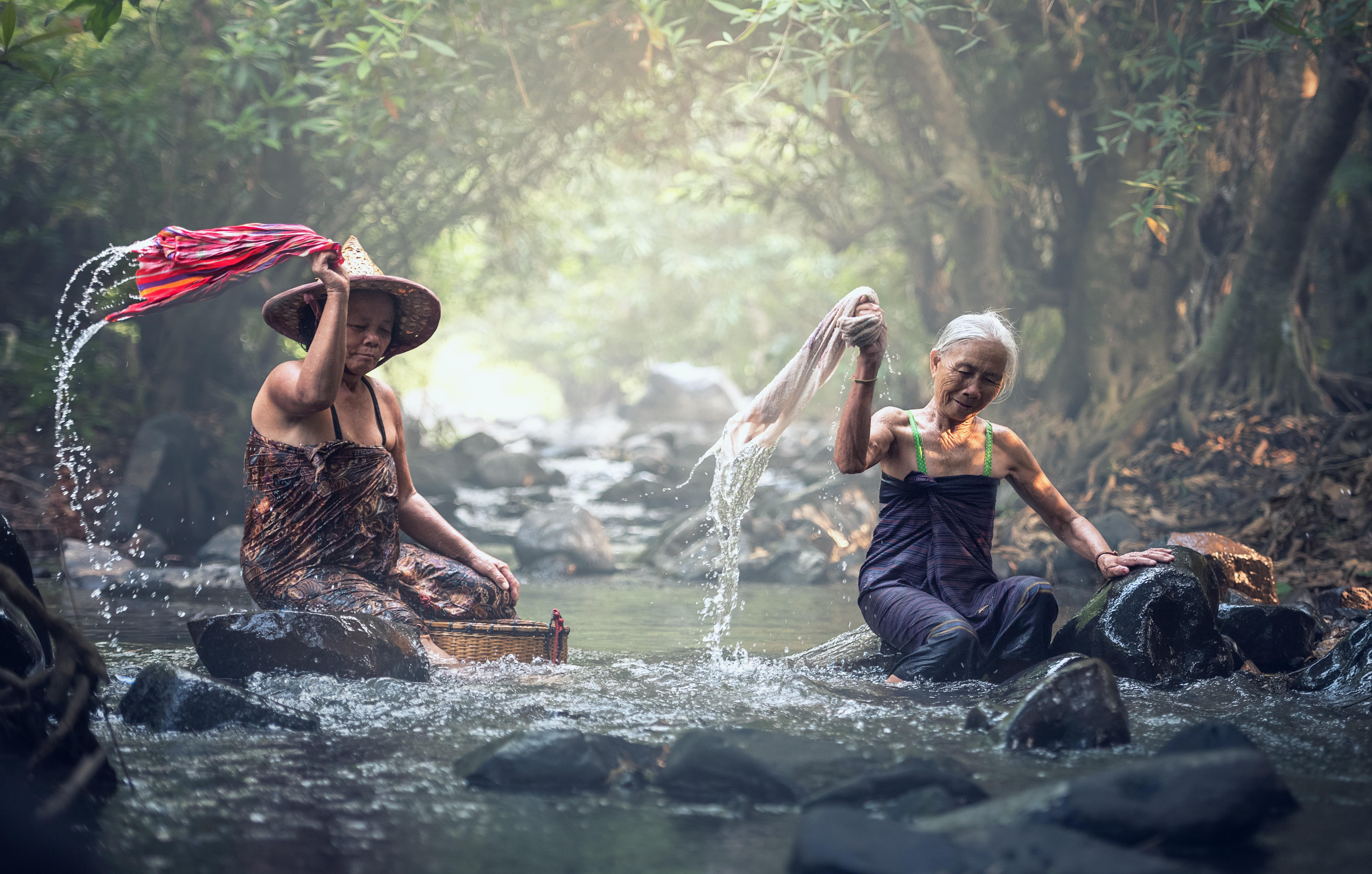Wald nackt leben im Freikörperkultur: Wann