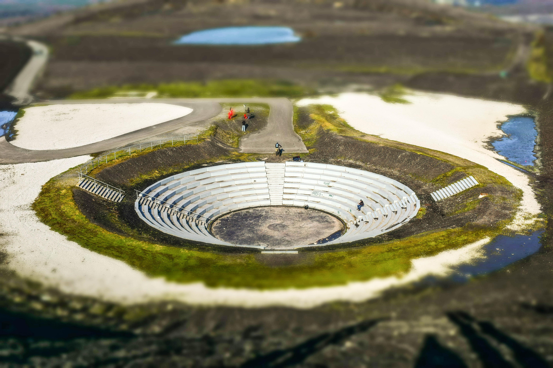 Fotos gratis c sped arquitectura estructura estanque for Diseno de fuente de jardin al aire libre