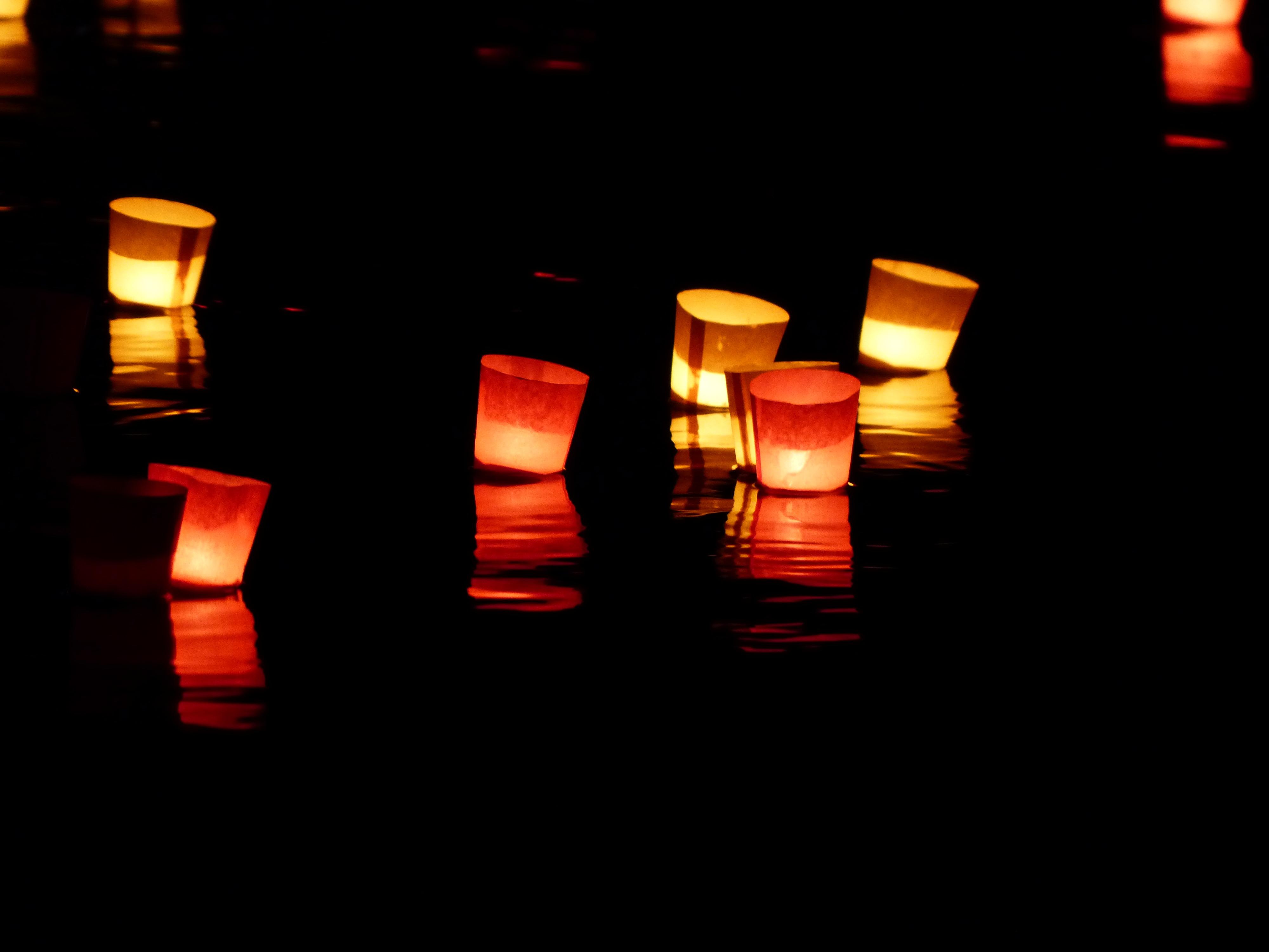 kostenlose foto wasser licht nacht atmosph re fluss schwimmen liebe abend orange. Black Bedroom Furniture Sets. Home Design Ideas