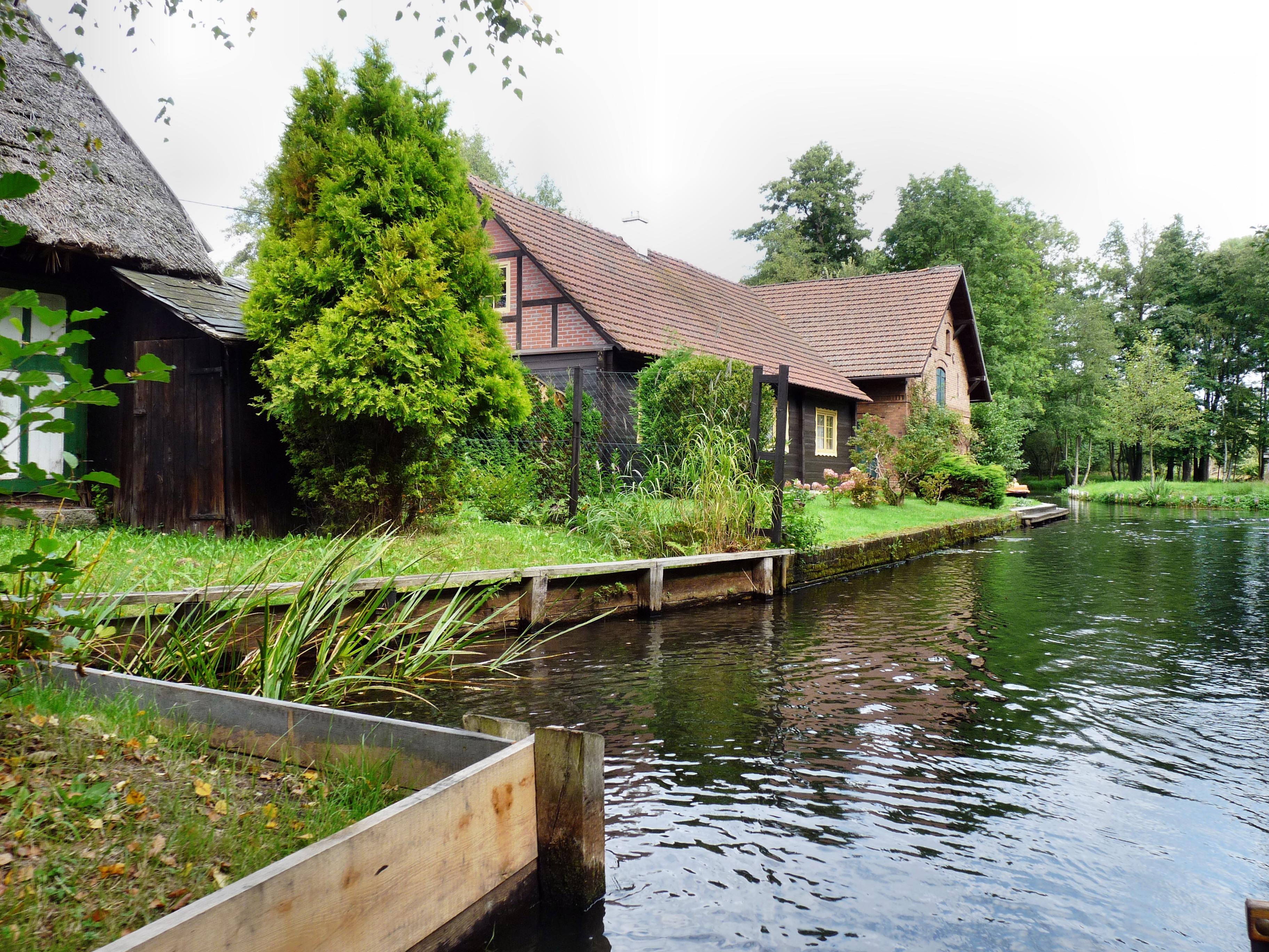 Gratis afbeeldingen water natuur huis bloem rivier for Huis in de tuin