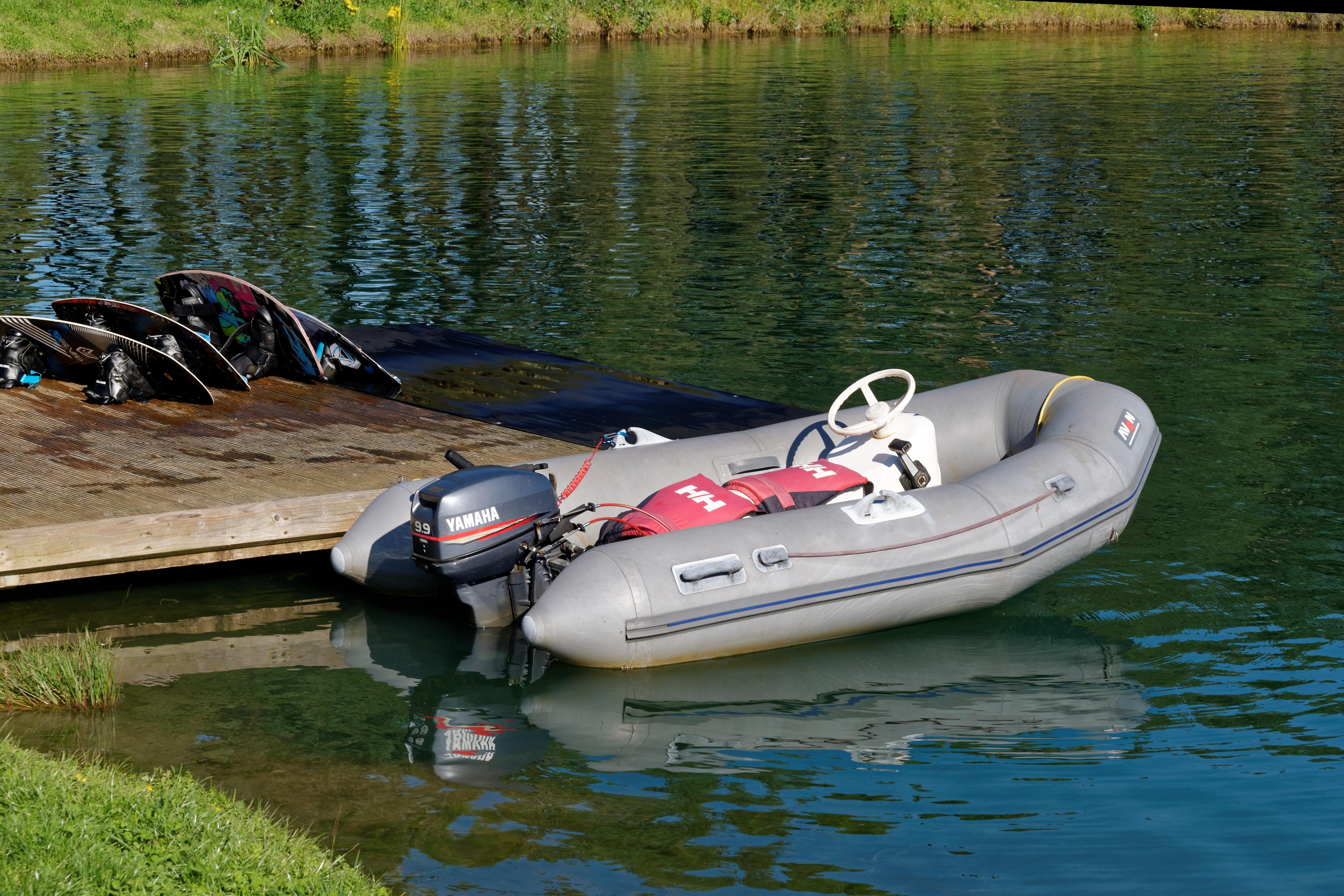 отыскать картинки лодка пвх с мотором картинки женщинах