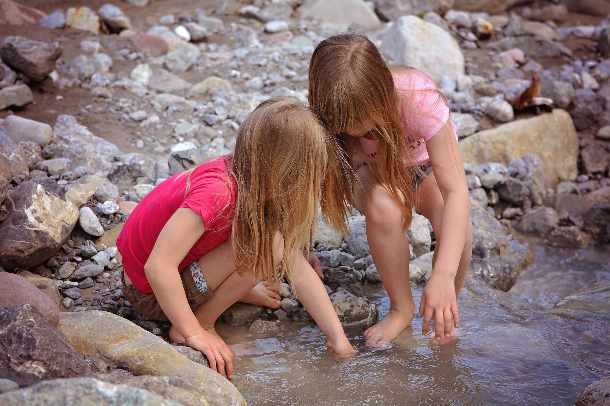Голые Маленькие Девочки Тайком Трахаются Фото