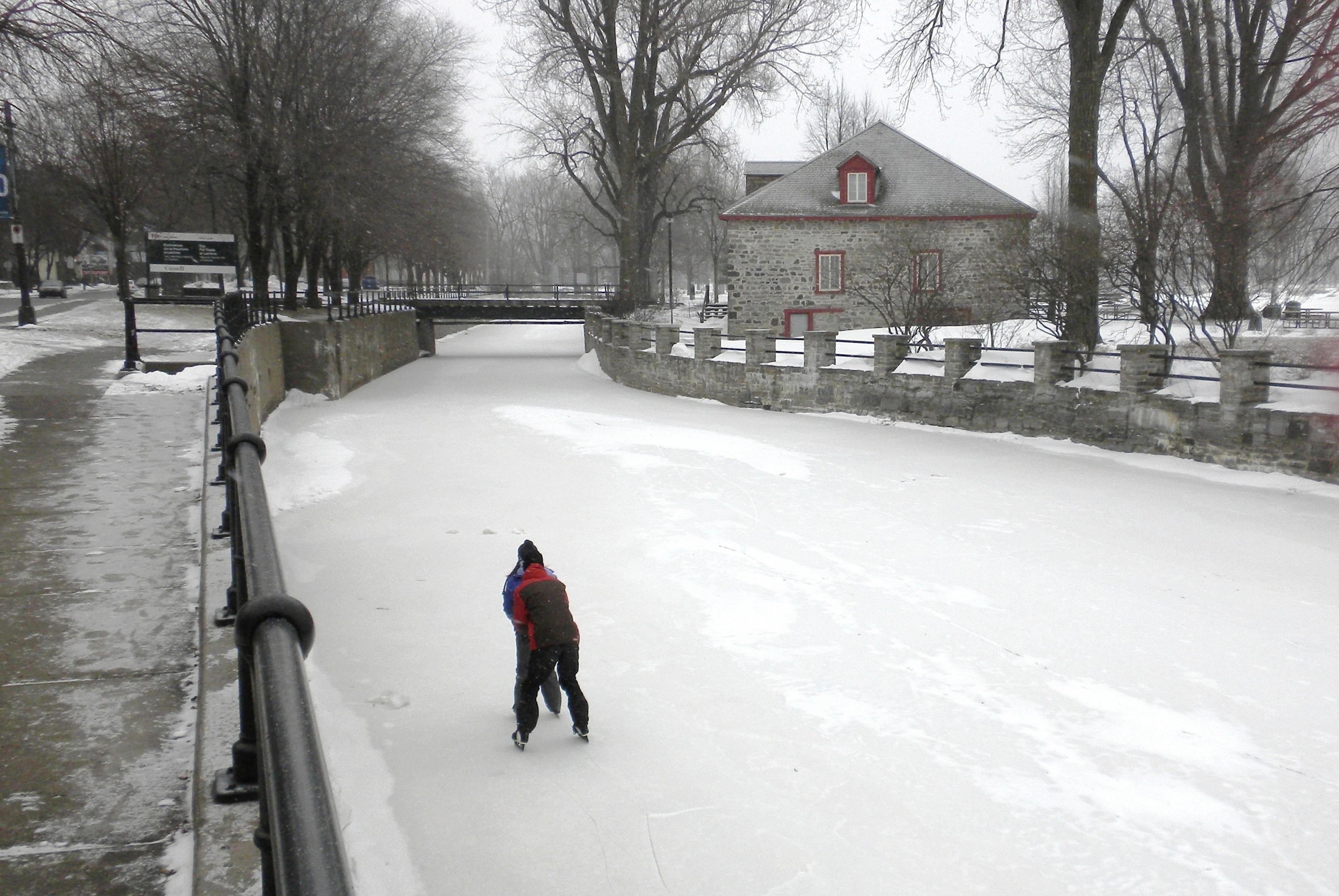 Images gratuites eau la nature neige hiver la glace for Patinoire exterieur