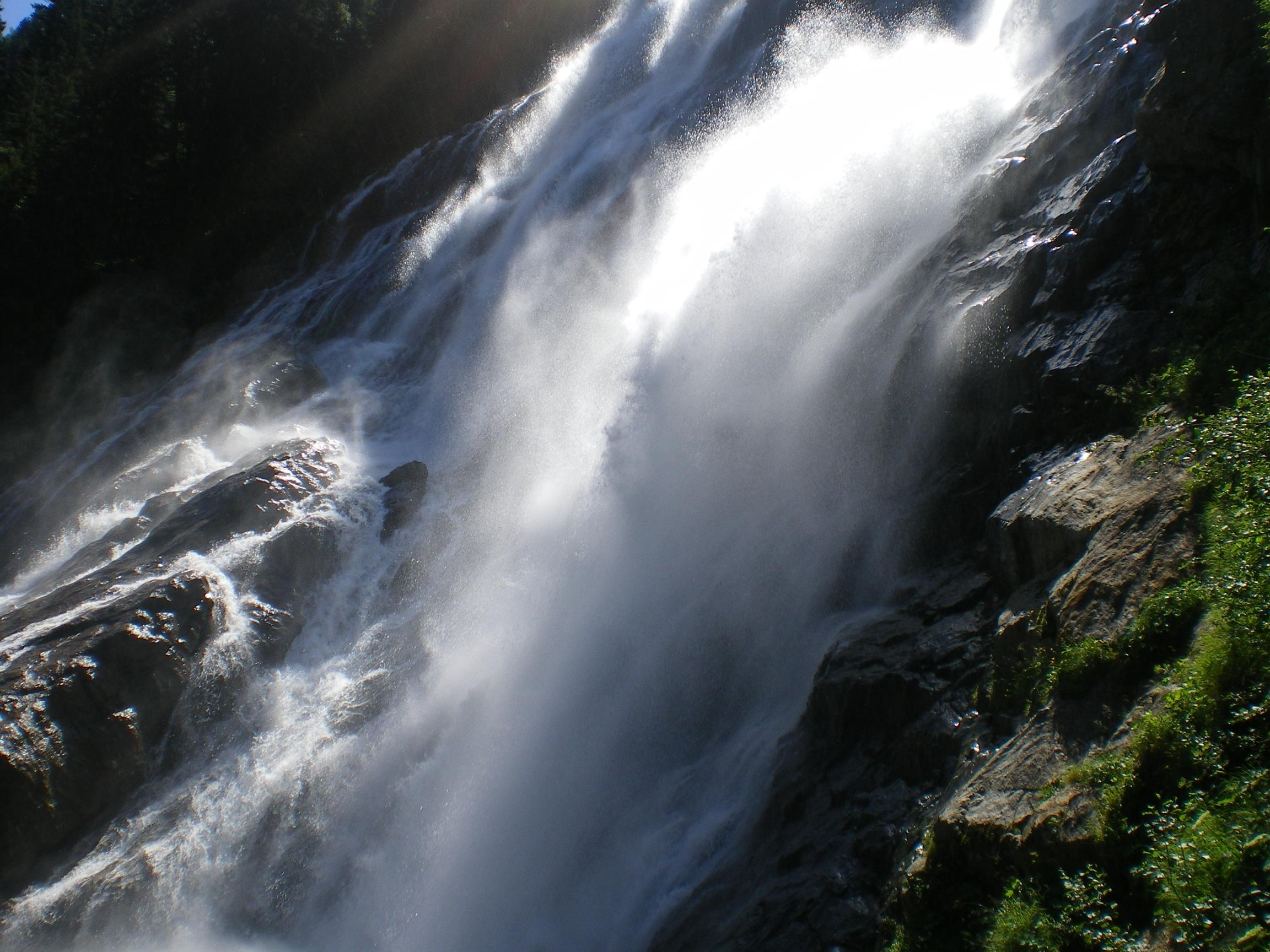 бушующий водопад в картинках россии наоборот