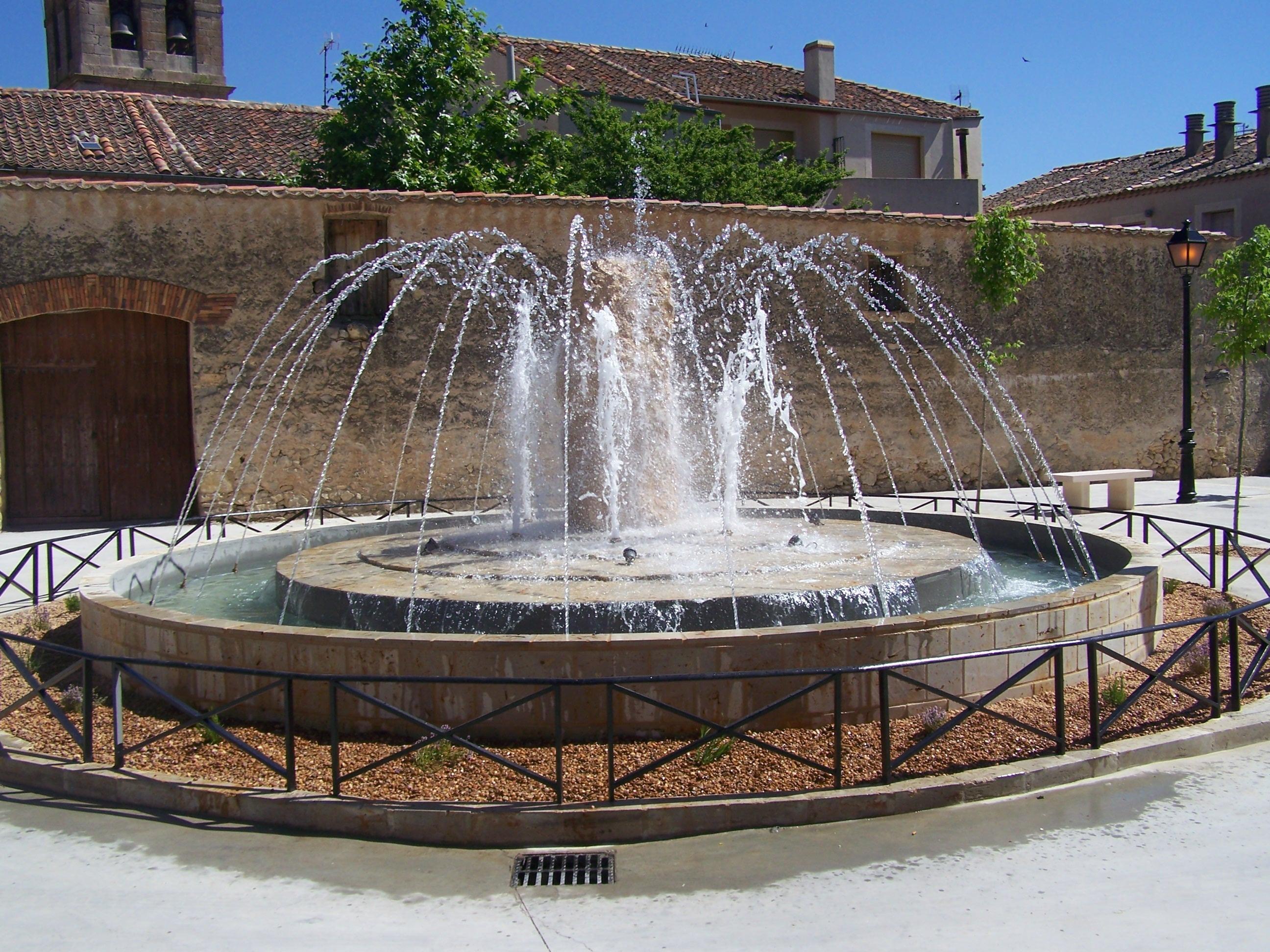 Картинки фонтан источник