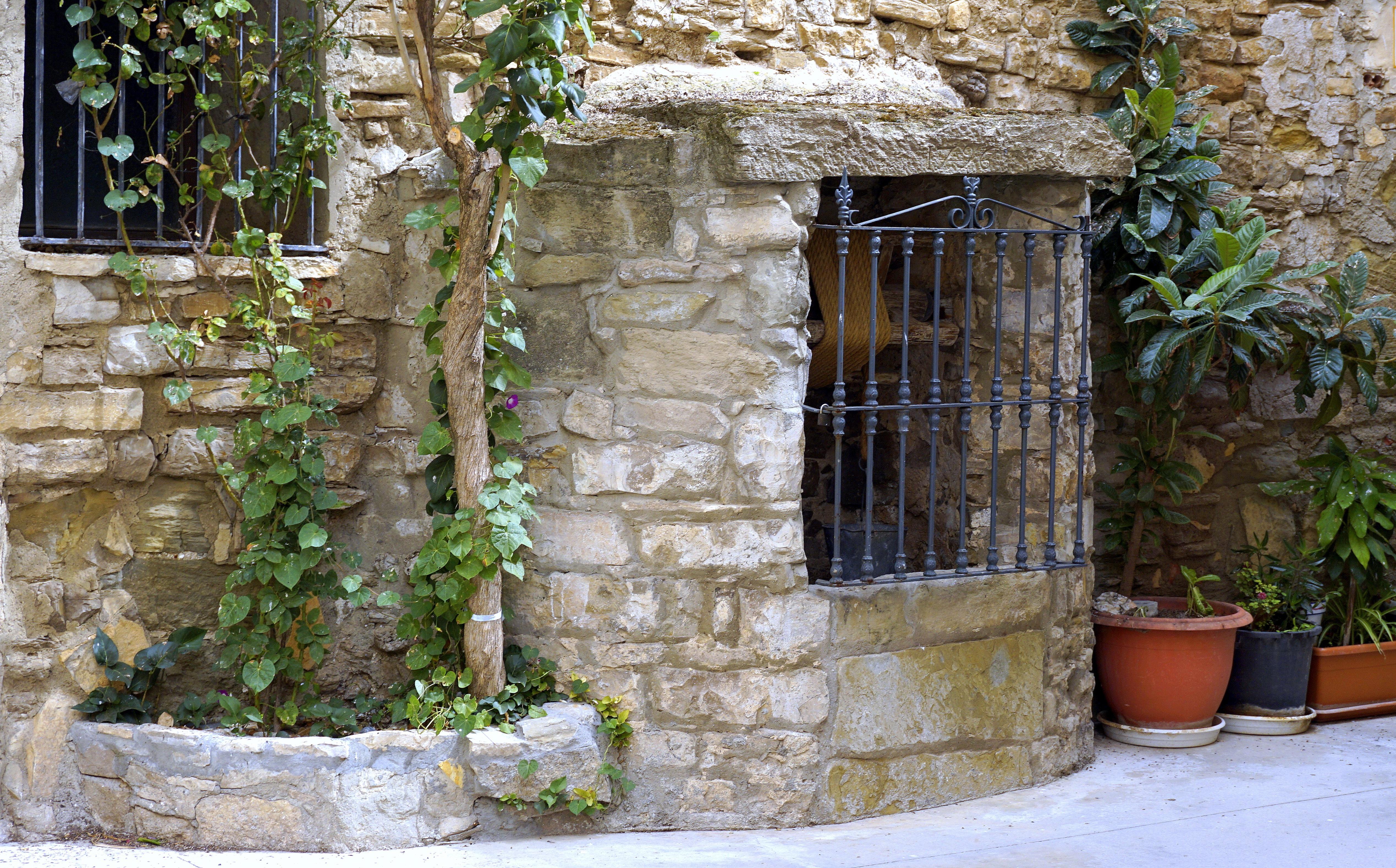 agua rock estructura madera vendimia casa ventana antiguo huerta casa pared pueblo rural cabaa patio interior
