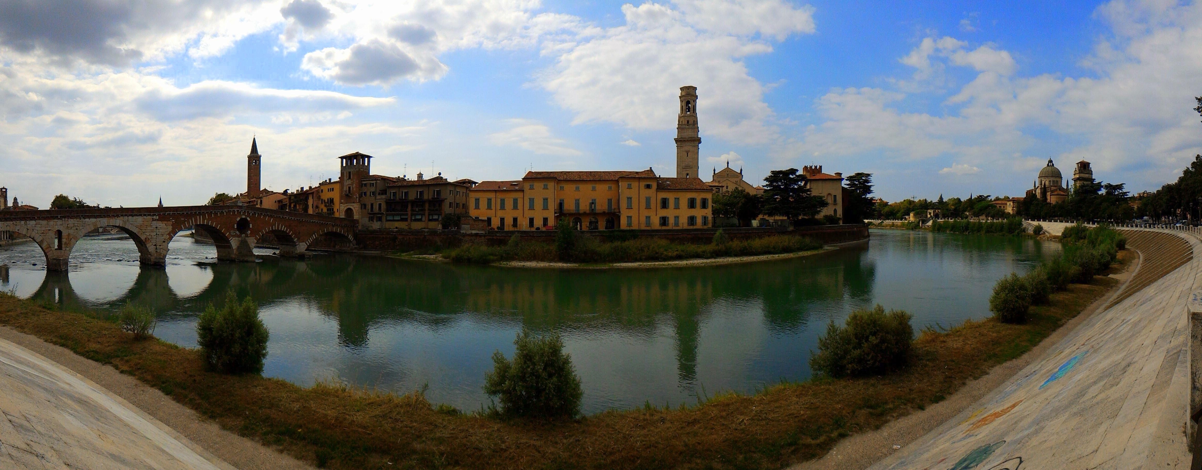 Images gratuites eau ciel pont ch teau palais ville for Piscine chateau d eau reims