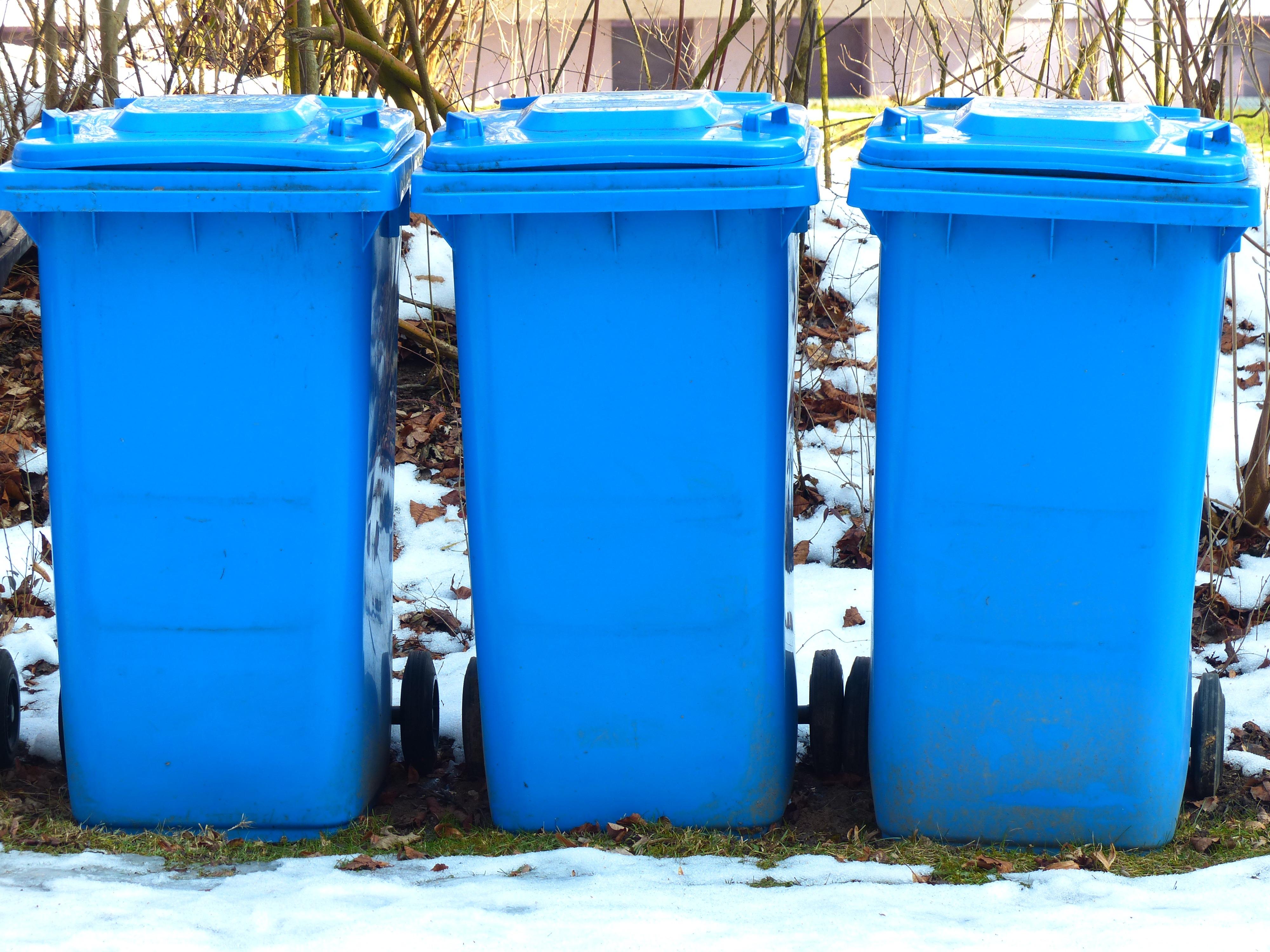 Fotos gratis agua nieve fr o invierno el plastico - Contenedor de agua ...
