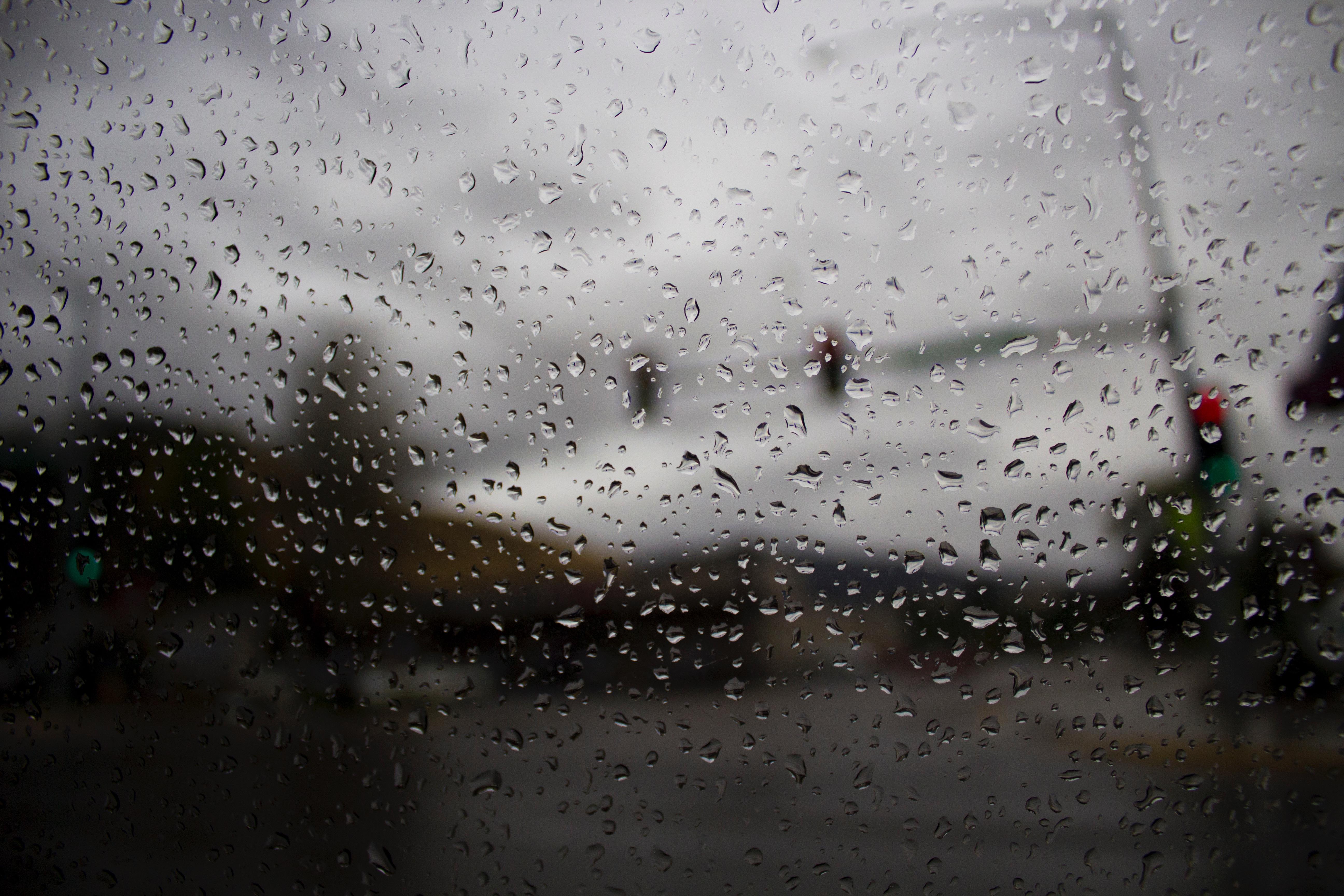 Картинки о дожде прикольные