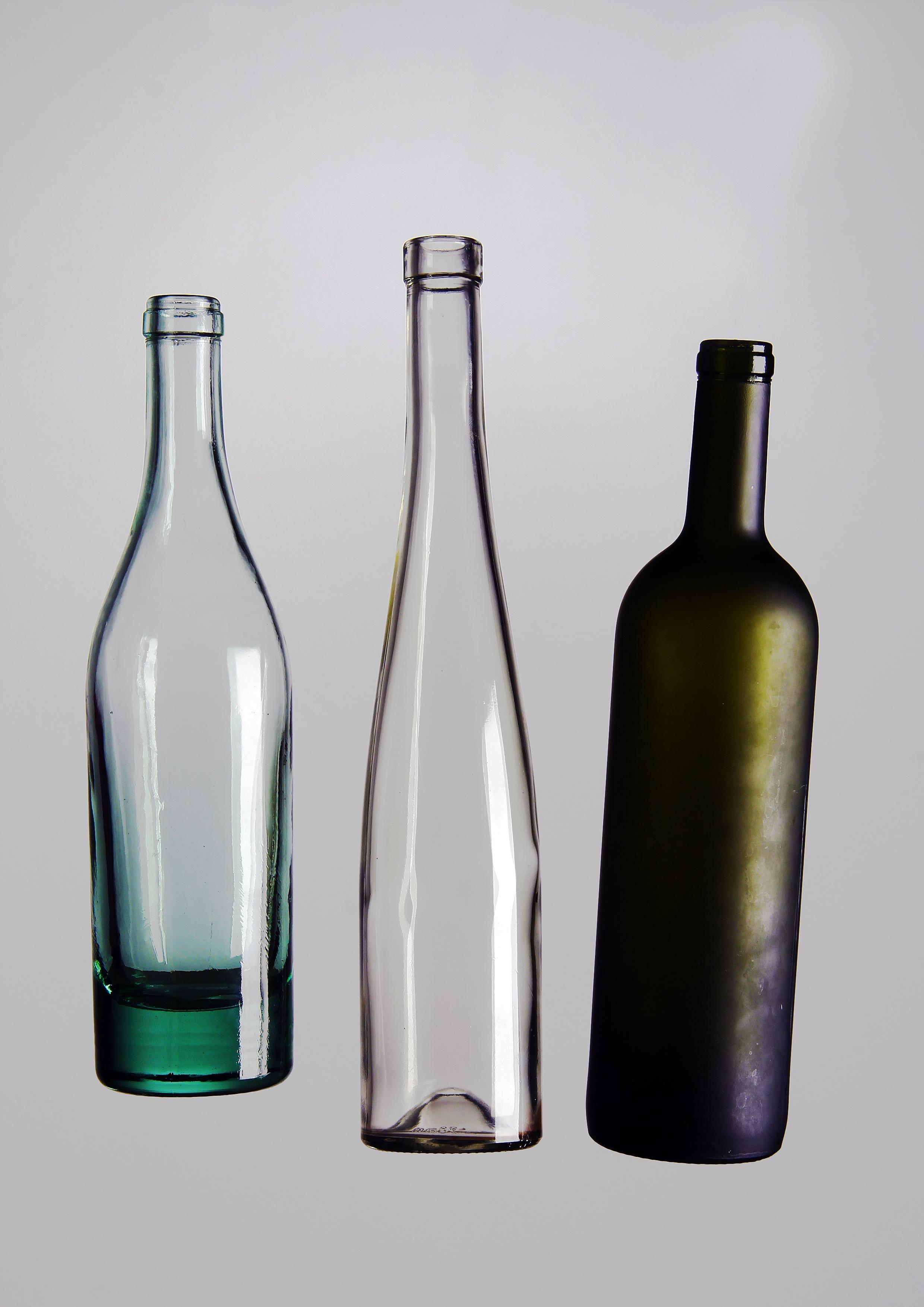 Fotoğraf Su Bardak Sofra Takımı şarap şişesi Cam şişe ürün