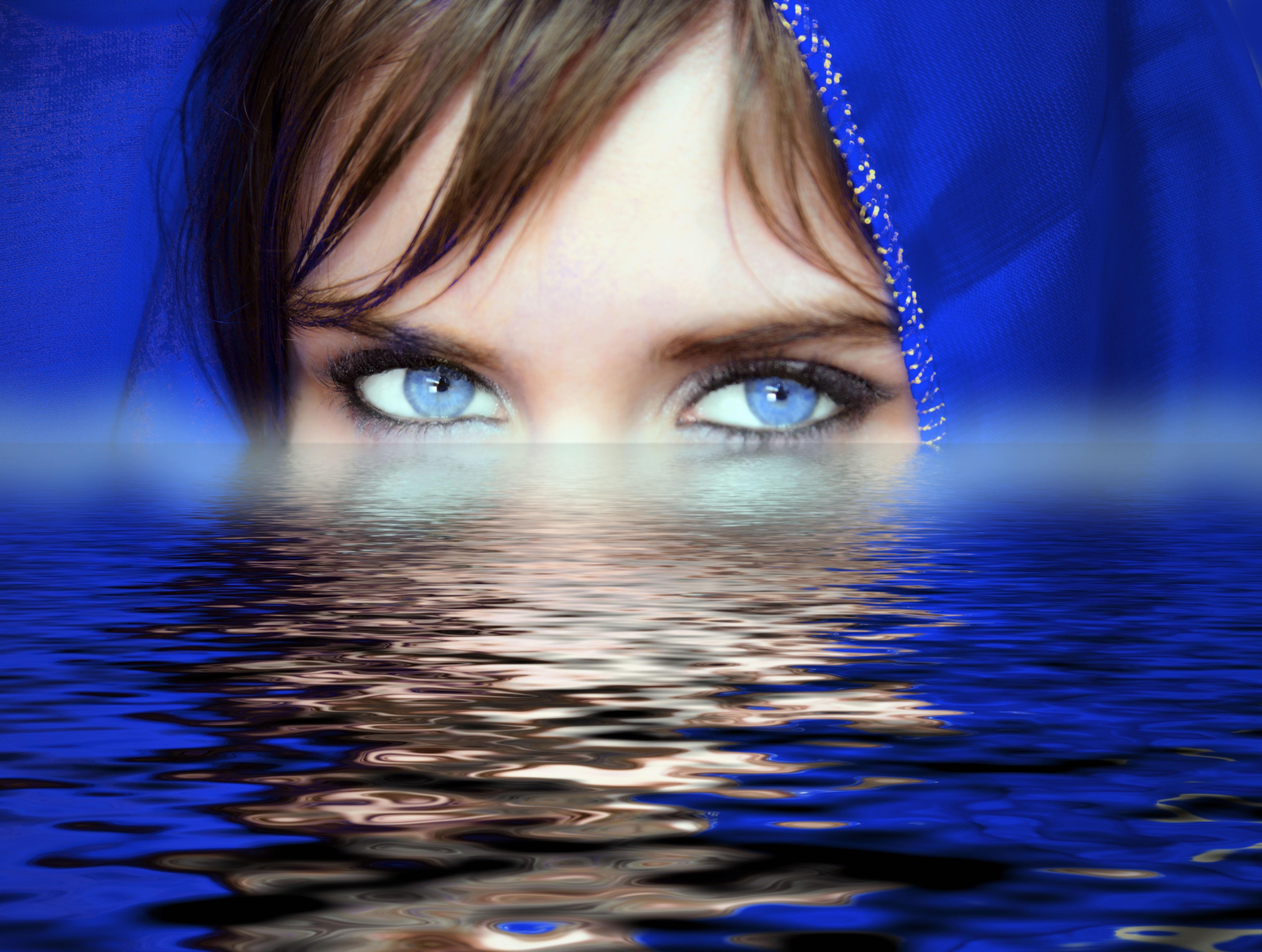 Fotos gratis : agua, mujer, fotografía, hembra, reflexión, ojo azul ...