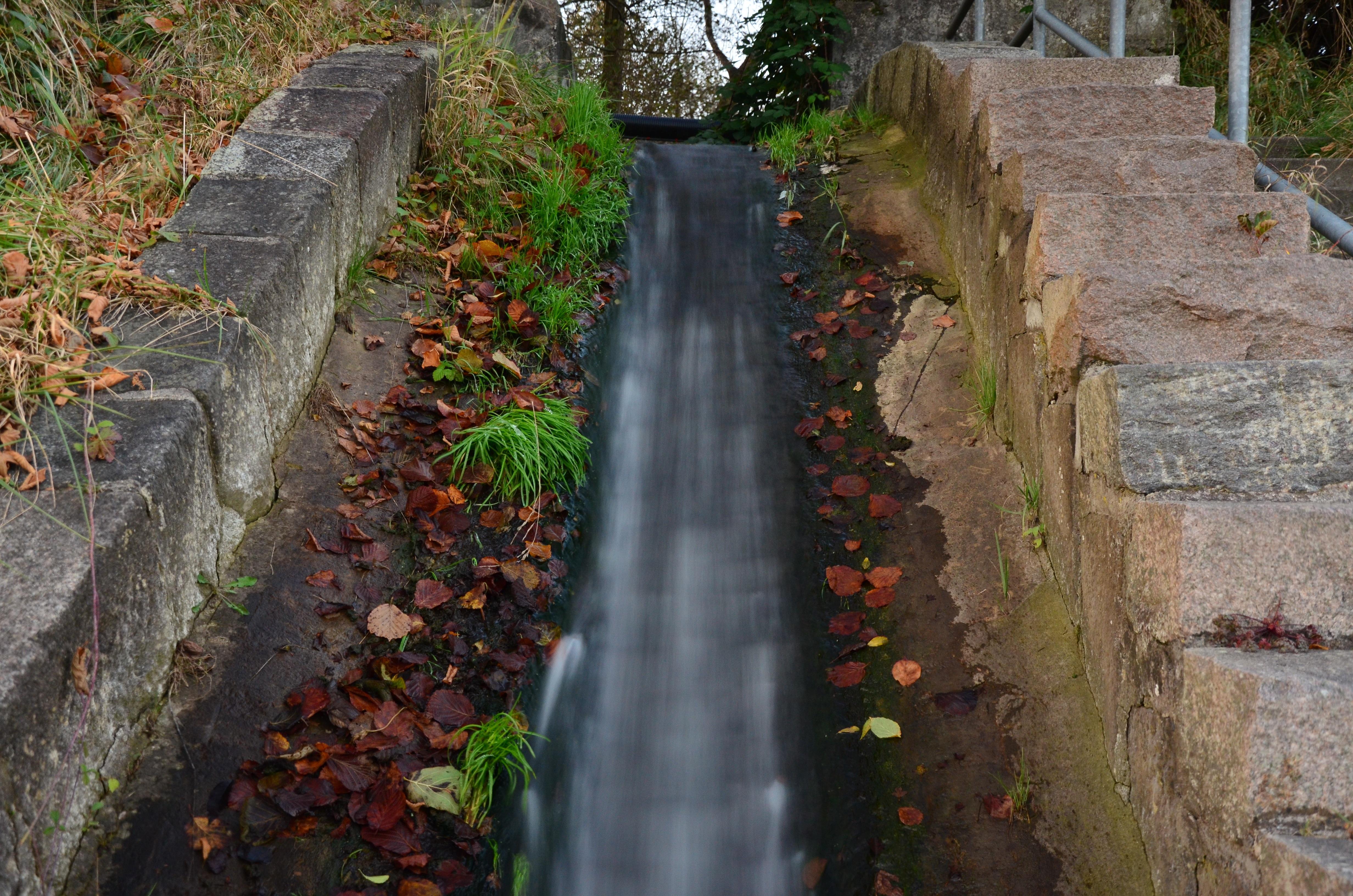 Gratis afbeeldingen waterval spoor muur voetpad for Waterpartij in de tuin