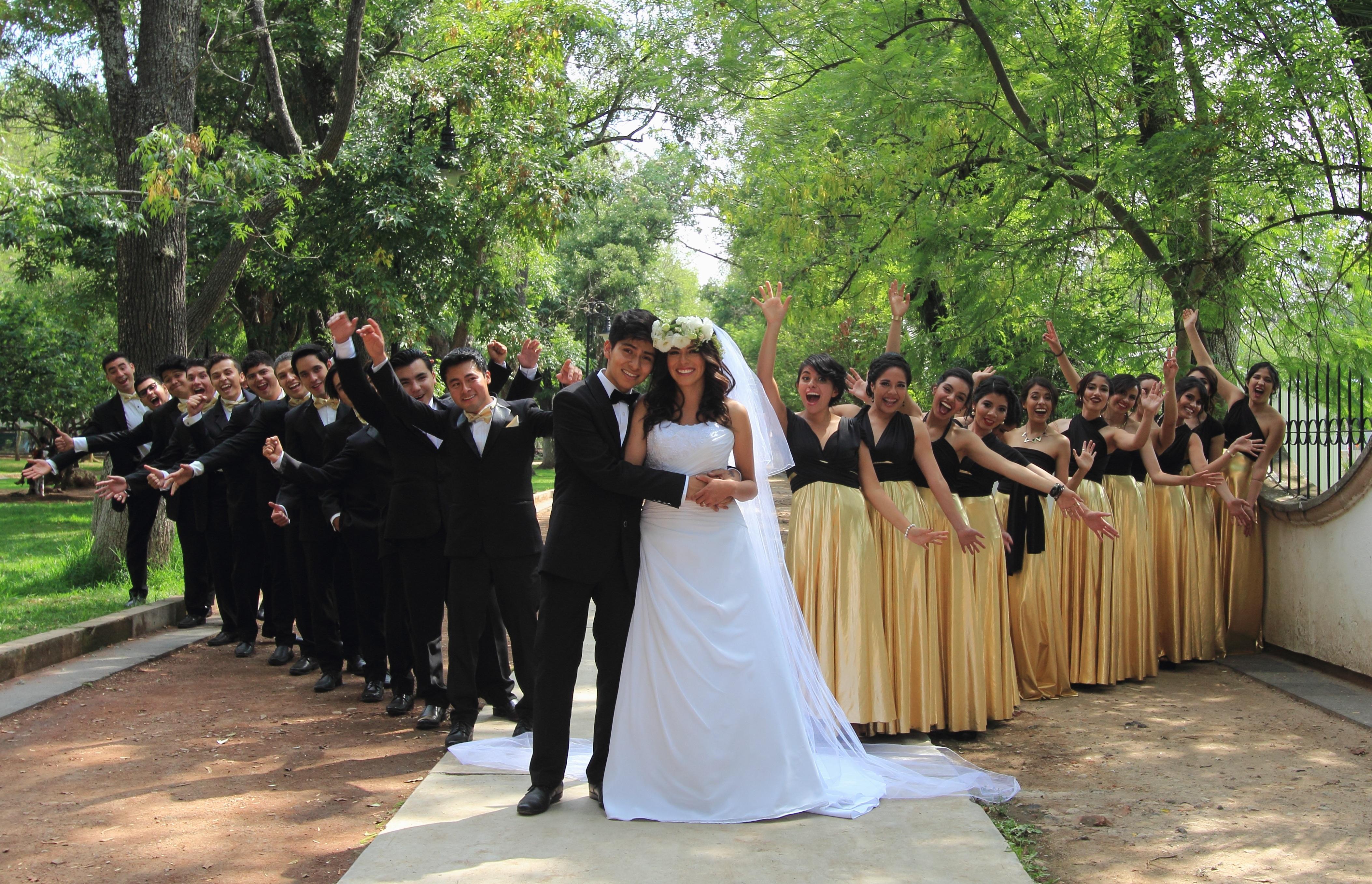 Fotos gratis : Boda, novia, novio, ceremonia, vestido, Quinceanera ...
