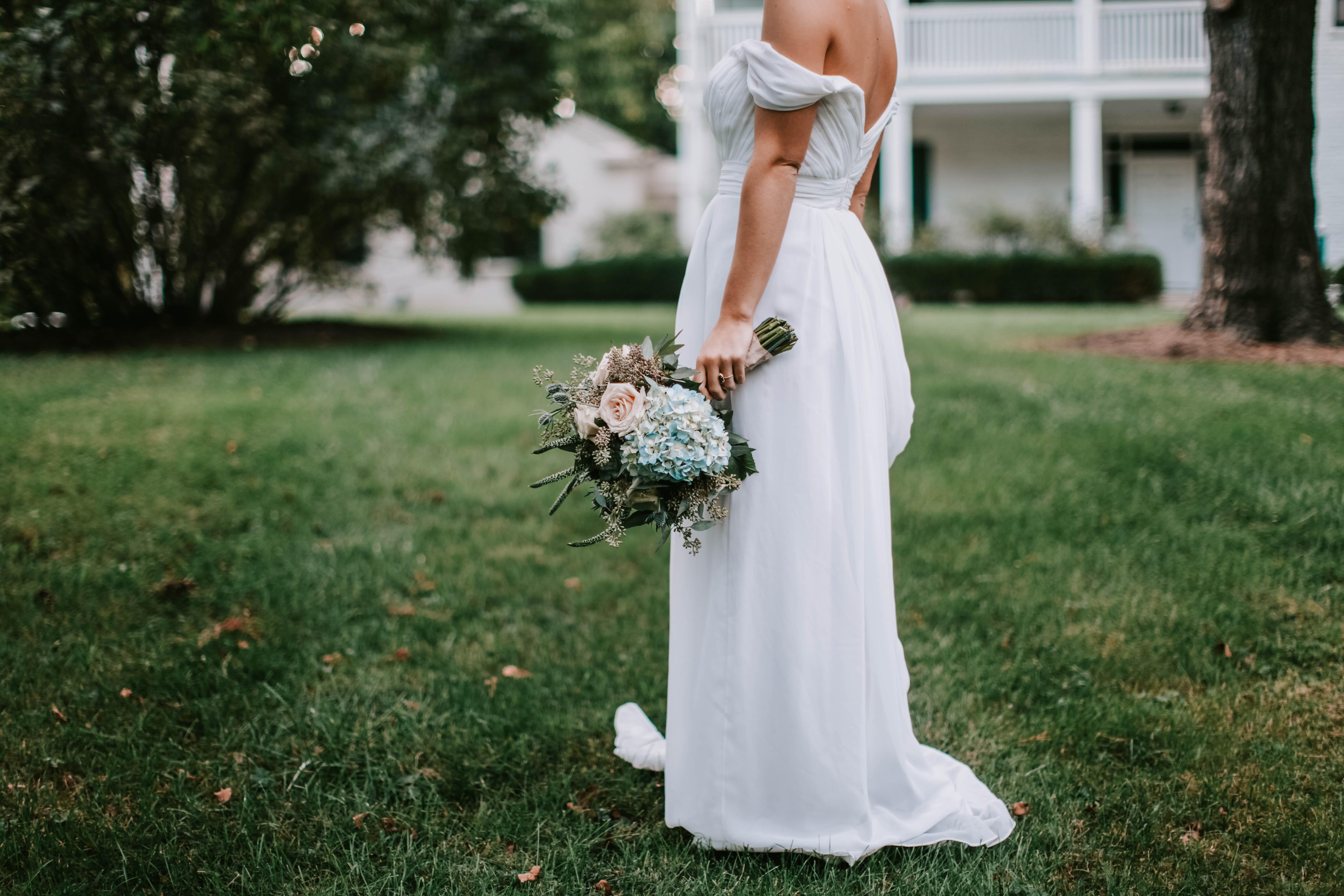 получите выгодные картинки с одеждой в свадебном платье древо