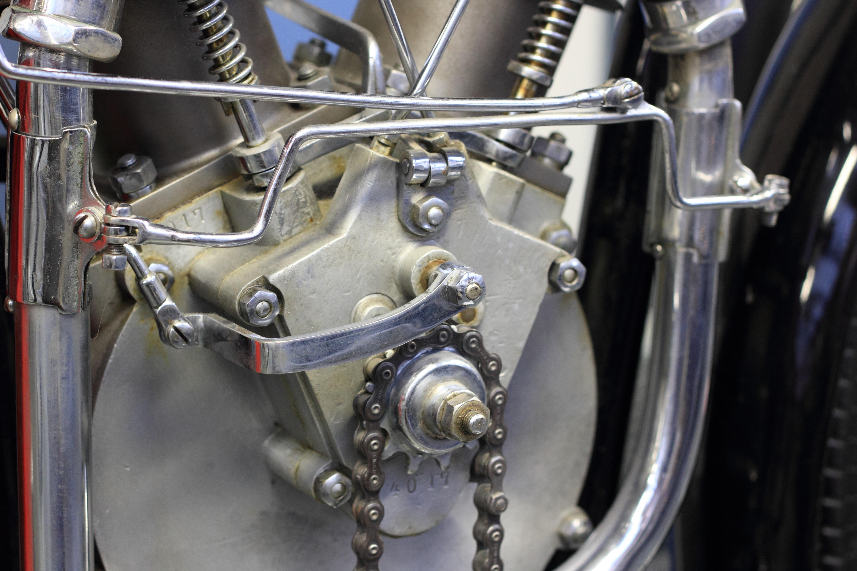 Kostenlose foto  Rad Fahrrad Fahrzeug Museum Motorrad Motor