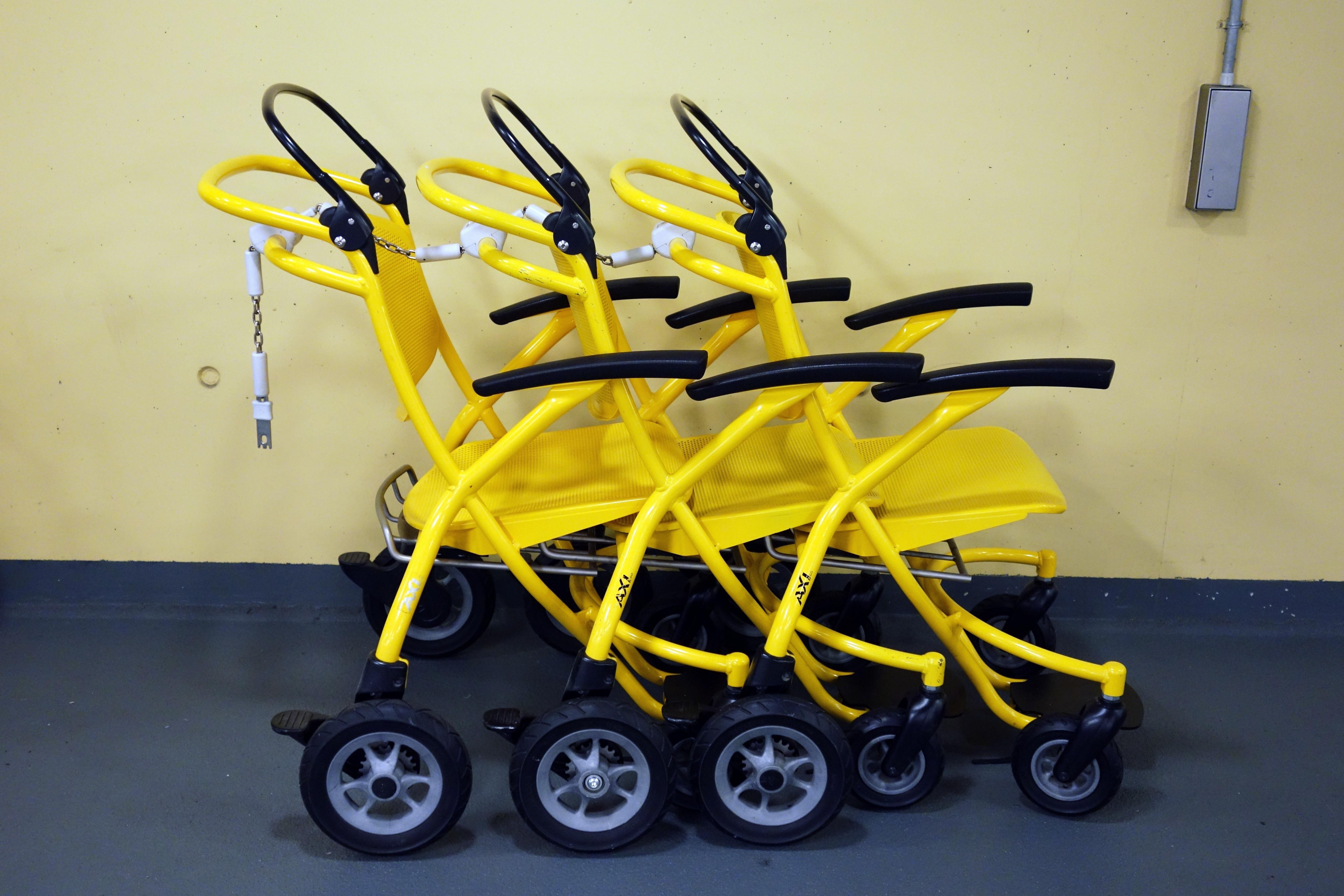 Fotos Gratis Rueda Carro Transporte Vehiculo Maquina Amarillo