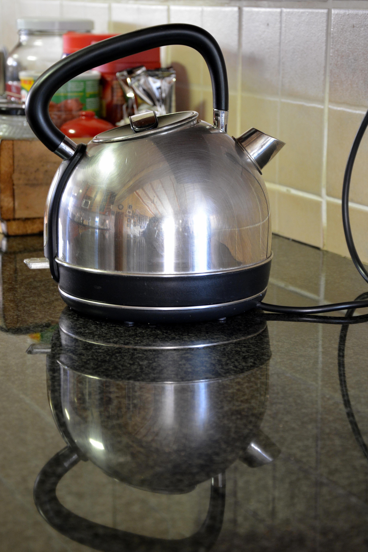 roue bouilloire ustensiles de cuisine appareil bouilloire lectrique objet fabriqu par lhomme petit appareil