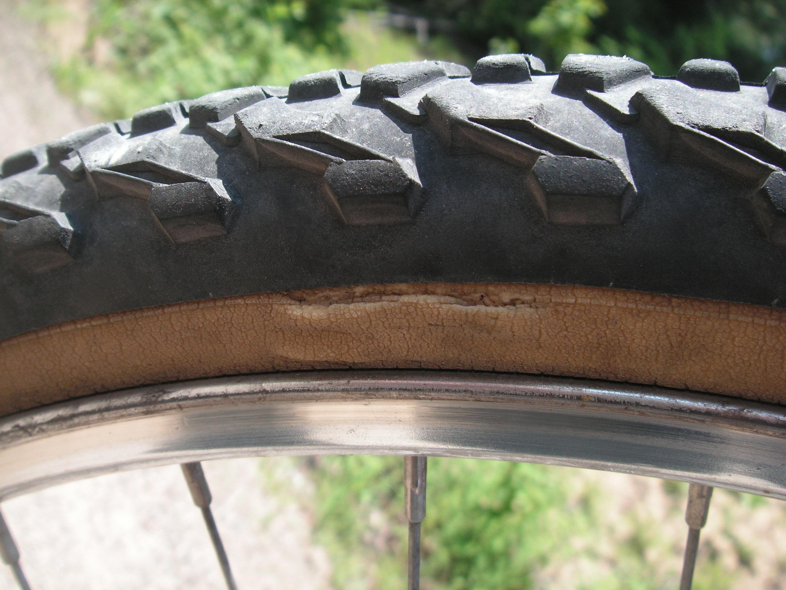 Kostenlose foto  Rad alt Fahrrad Transport reparieren