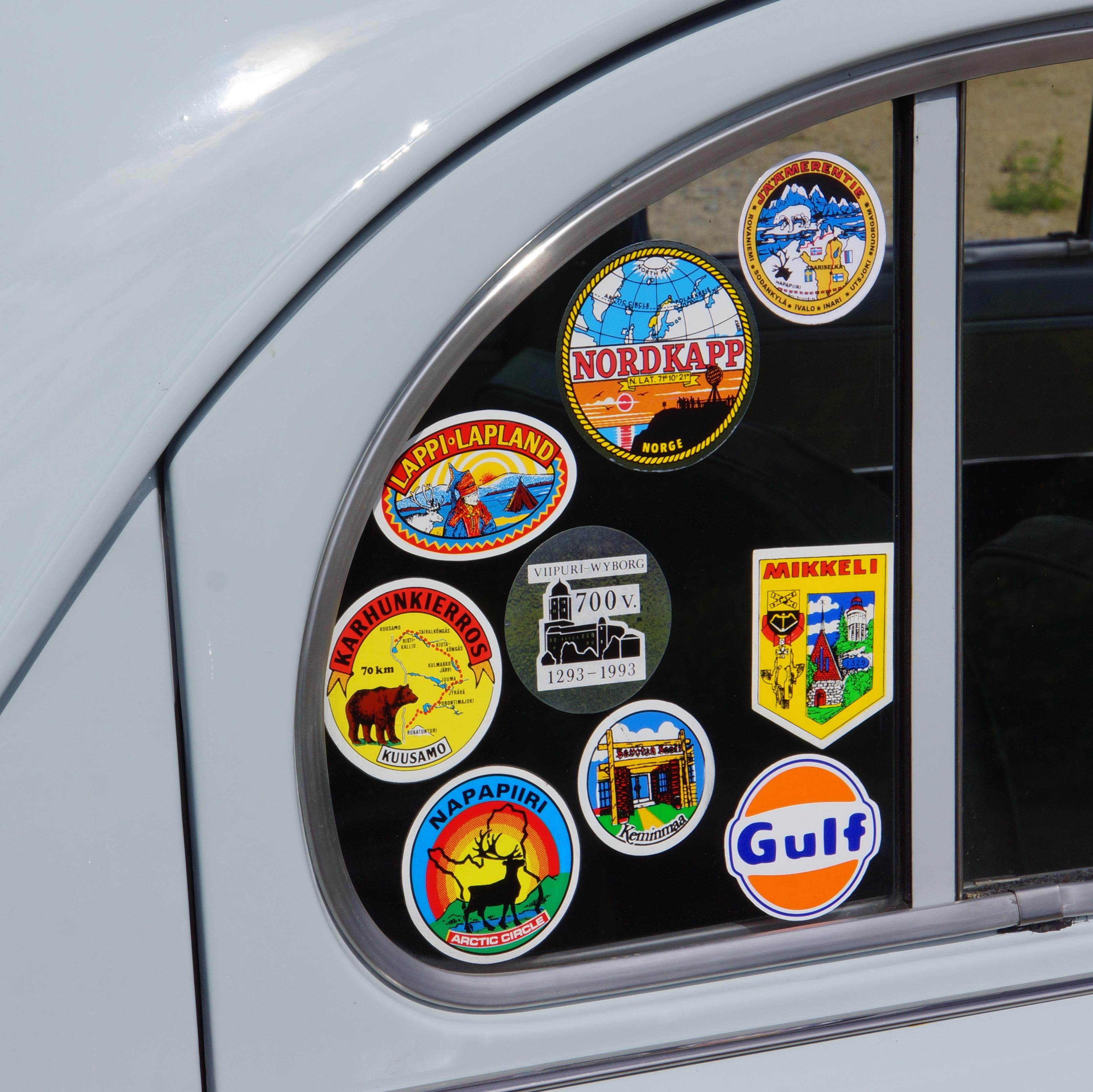 Gratis Afbeeldingen Wiel Venster Glas Aantal Toerisme Sticker Karakter Voertuig Bewegwijzering Kunst Souvenir Autoruit Lijm Automotive Exterior