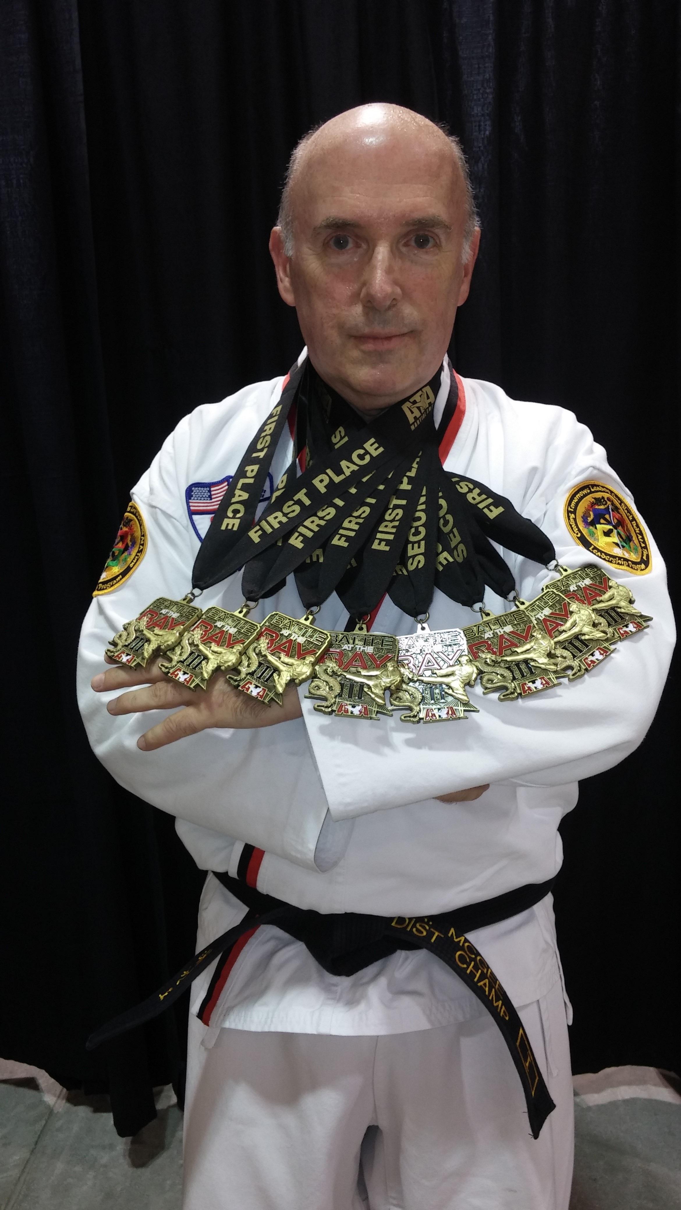 valkoinen vaatetus musta vyö Urheilu puku martial karate taekwondo musta vyö ab6780f8d9