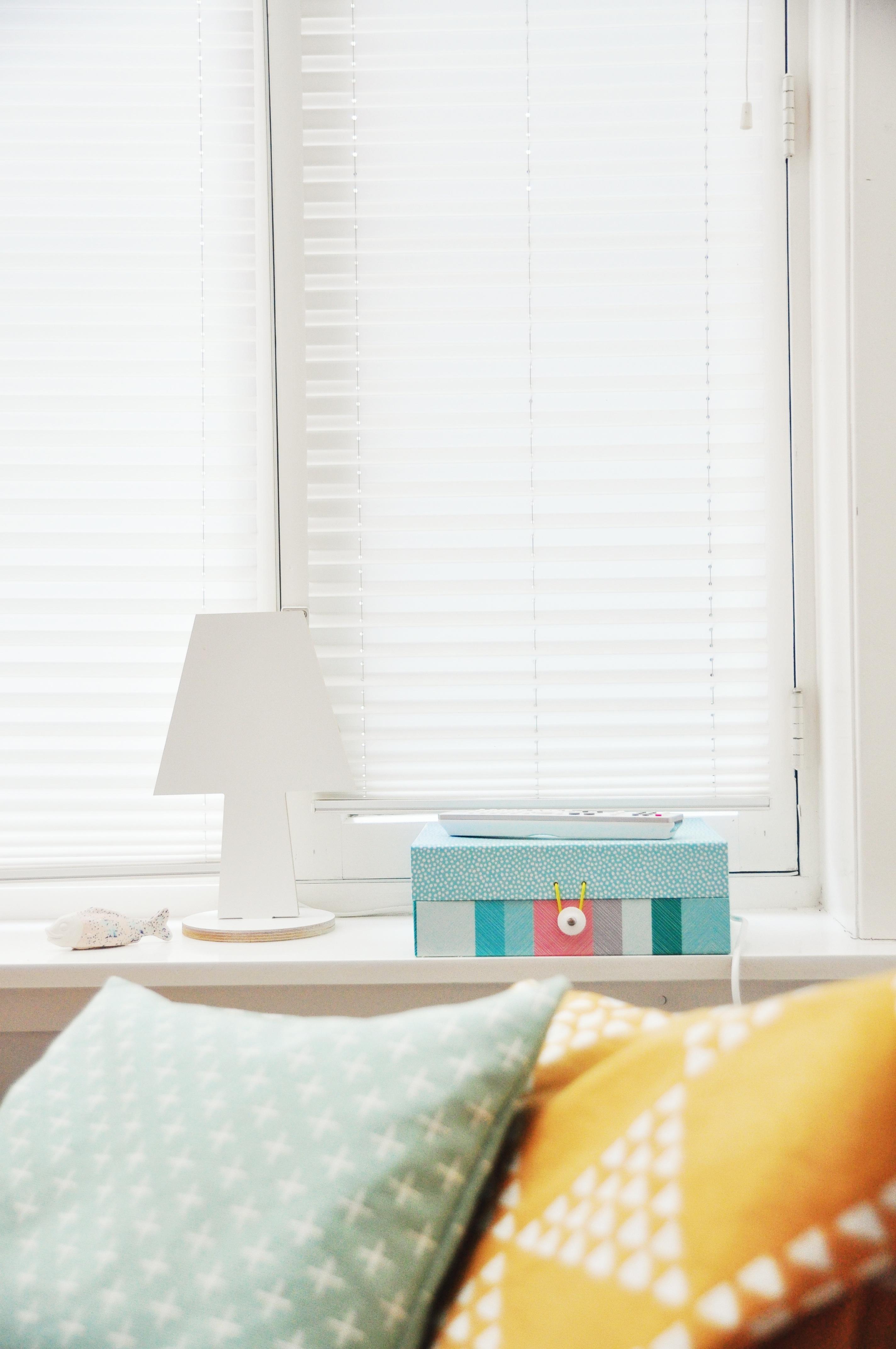 Blanc Couleur Rideau Boîte Chambre Jaune Design Du0027intérieur Textile  Conception Les Fenêtres Store Lampe