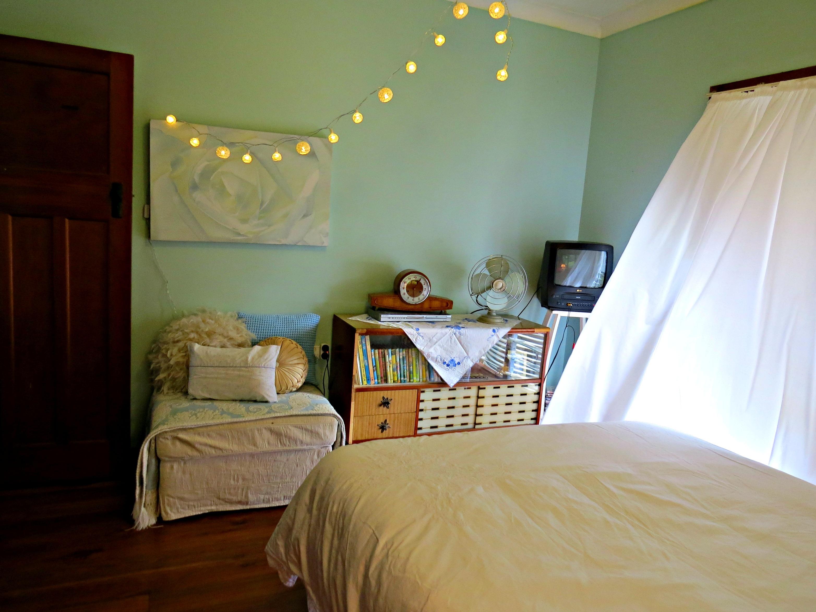 Fotos gratis blanco piso reloj antiguo casa verde for Luces interiores