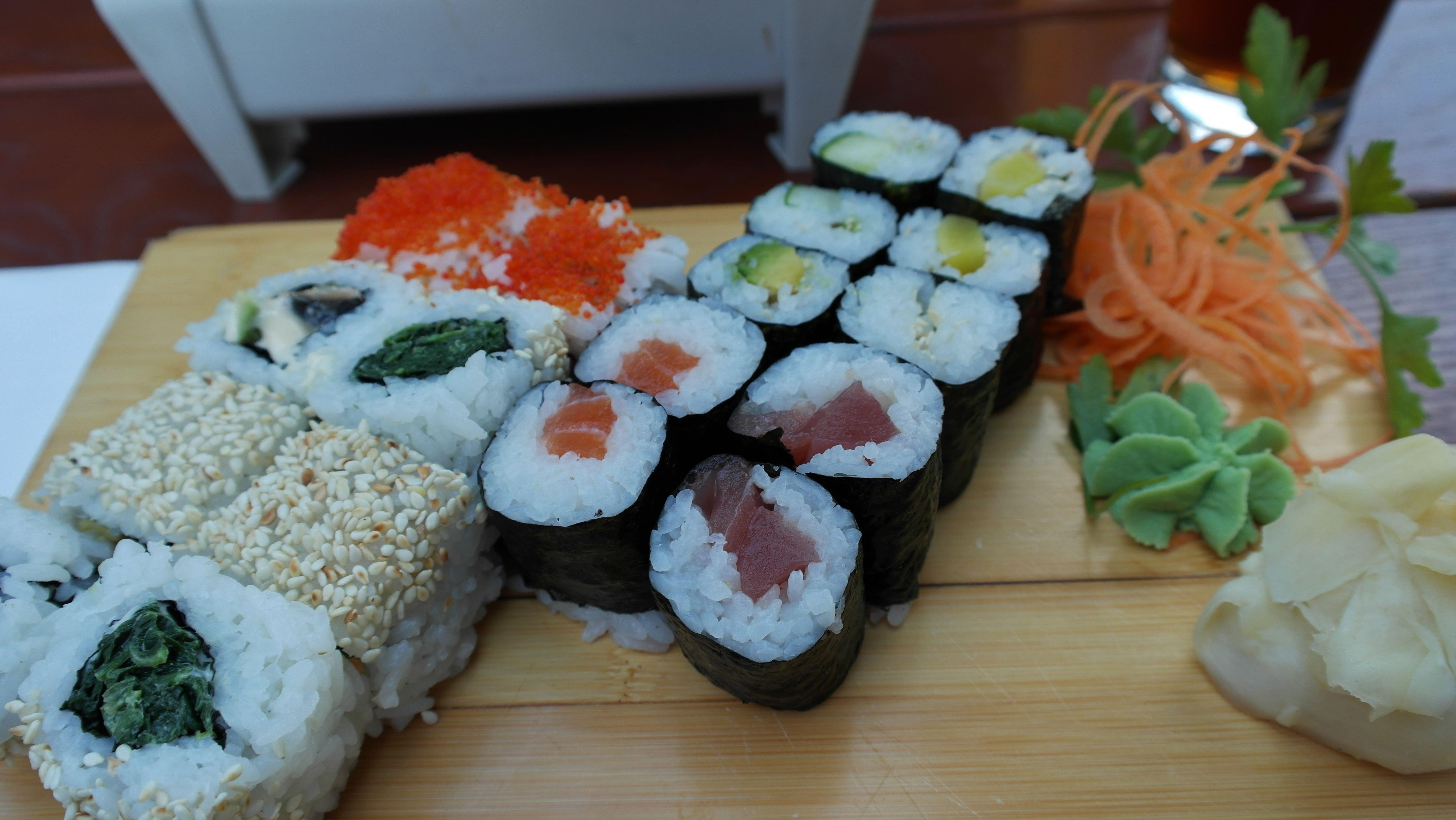 Kostenlose foto : Weiß, Blume, Gericht, Mahlzeit, Lebensmittel, rot ...