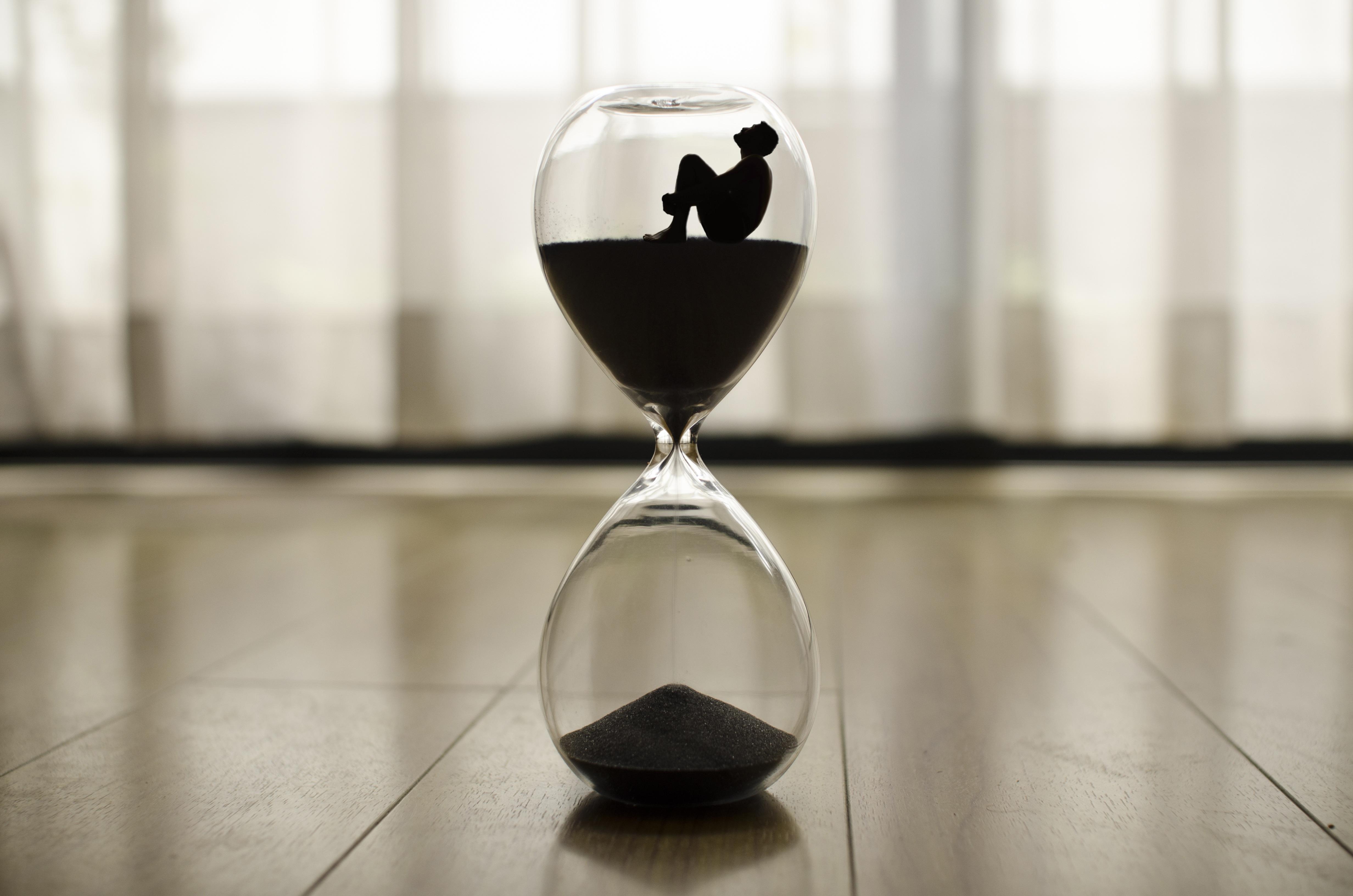 Fotos Gratis Blanco Vaso Hora Negro Copa De Vino Forma Reloj