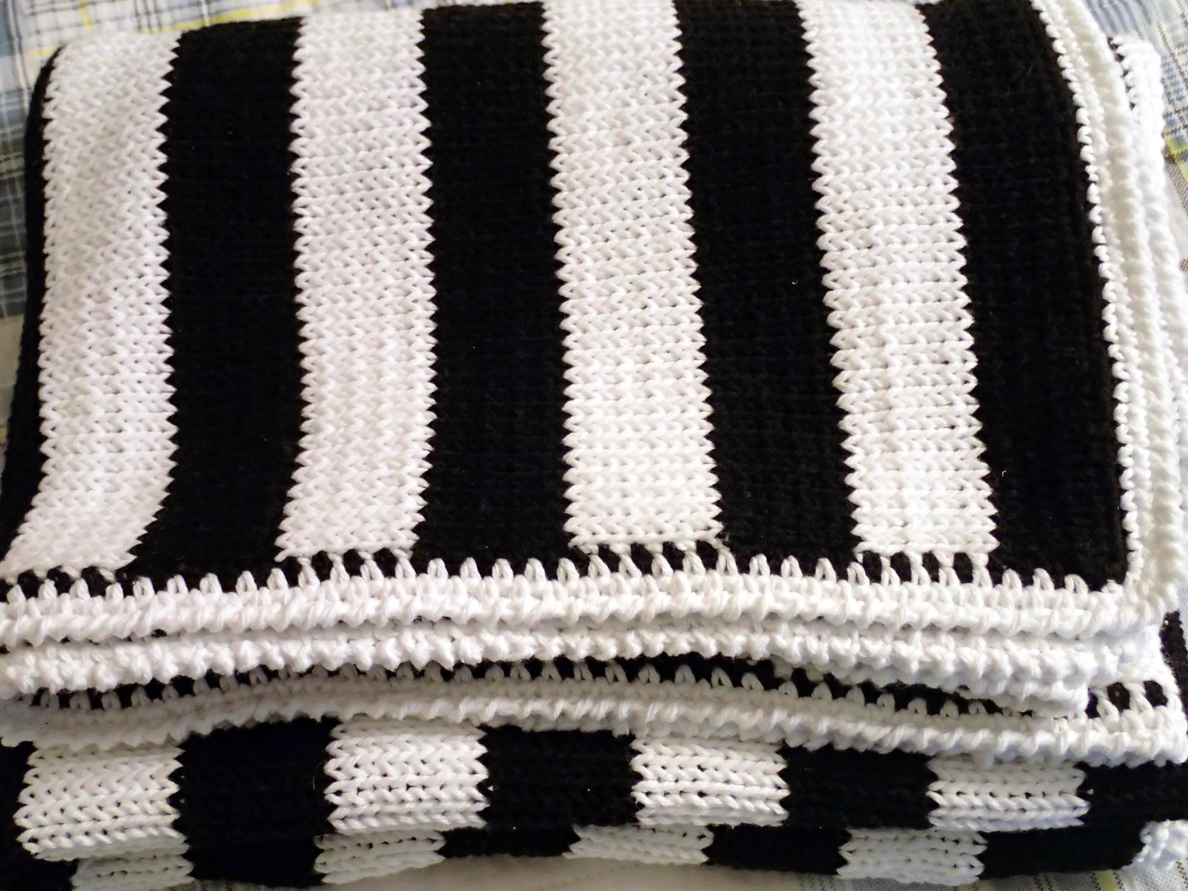 Fotos gratis : blanco, patrón, negro, material, producto, tejer ...