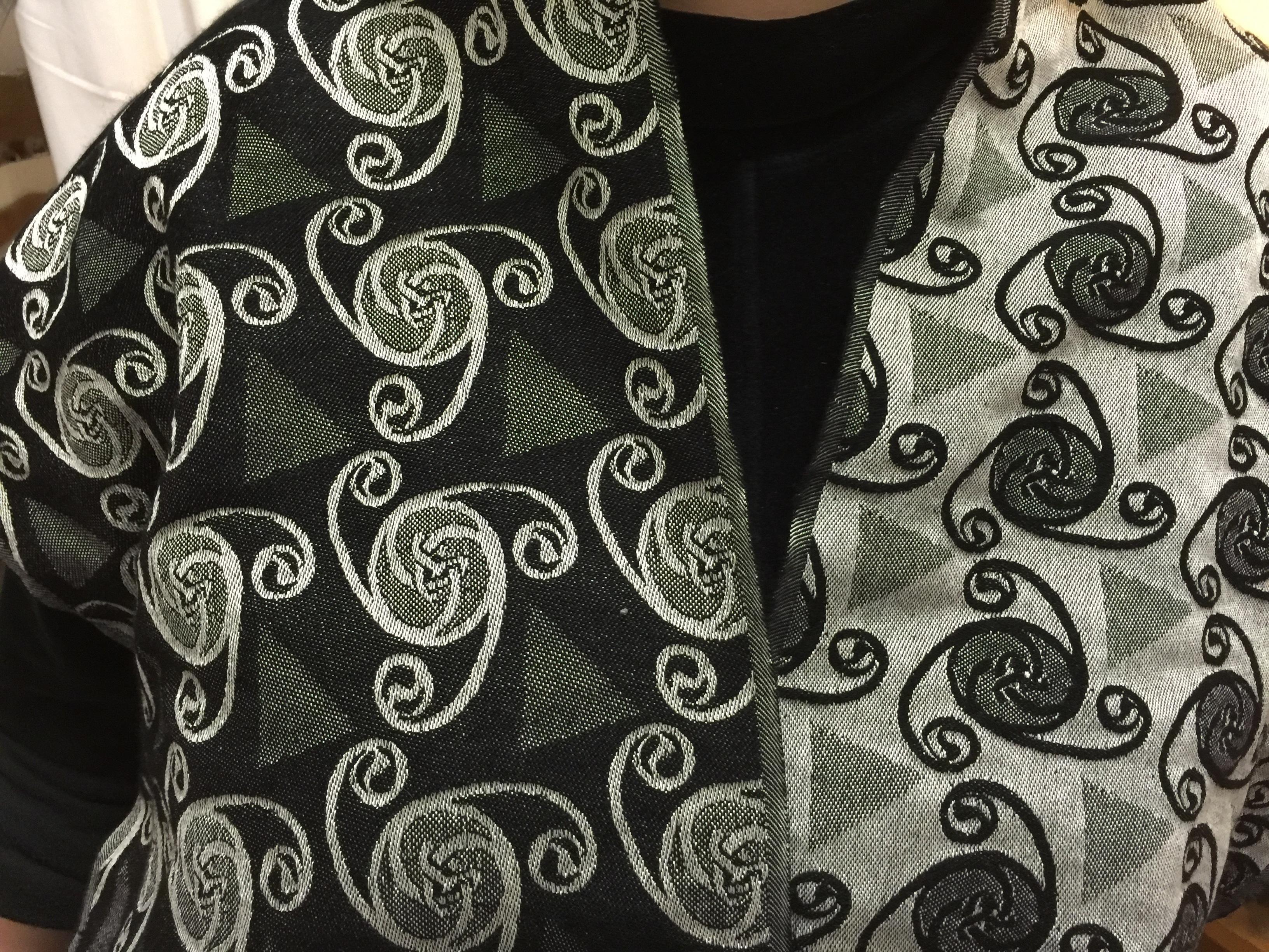 white pattern clothing black scarf material textile art design silk tissue paisley sleeve jacquardmuster hand weaving - Jacquard Muster