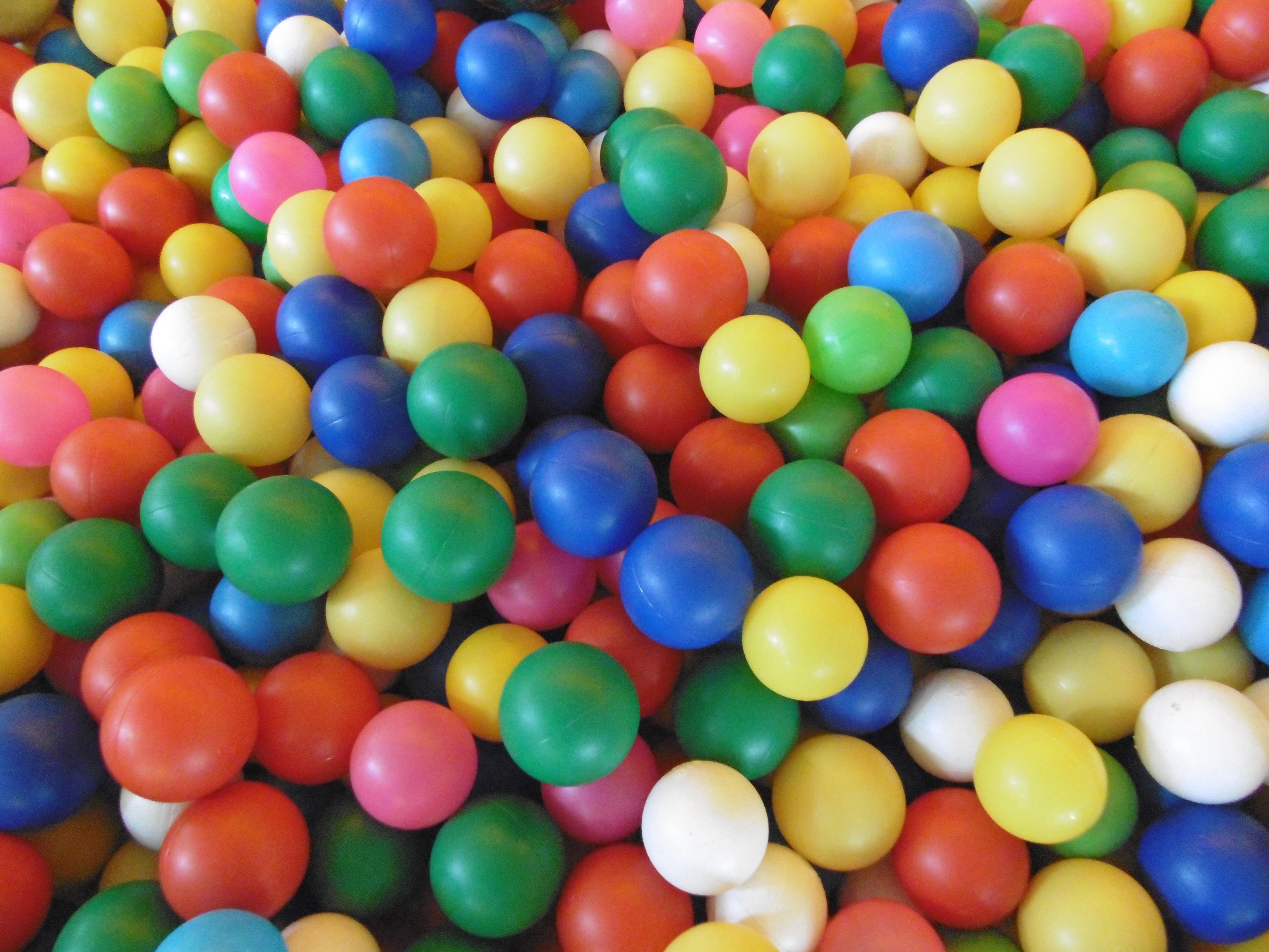 Картинка с разноцветными шариками